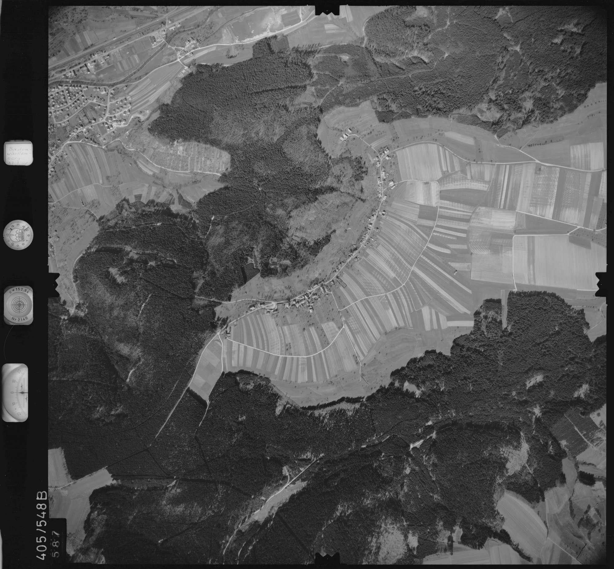 Luftbild: Film 10 Bildnr. 587, Bild 1