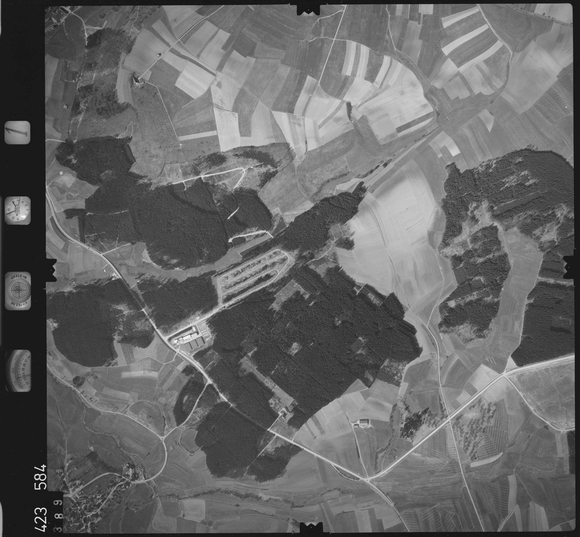 Luftbild: Film 1 Bildnr. 389, Bild 1