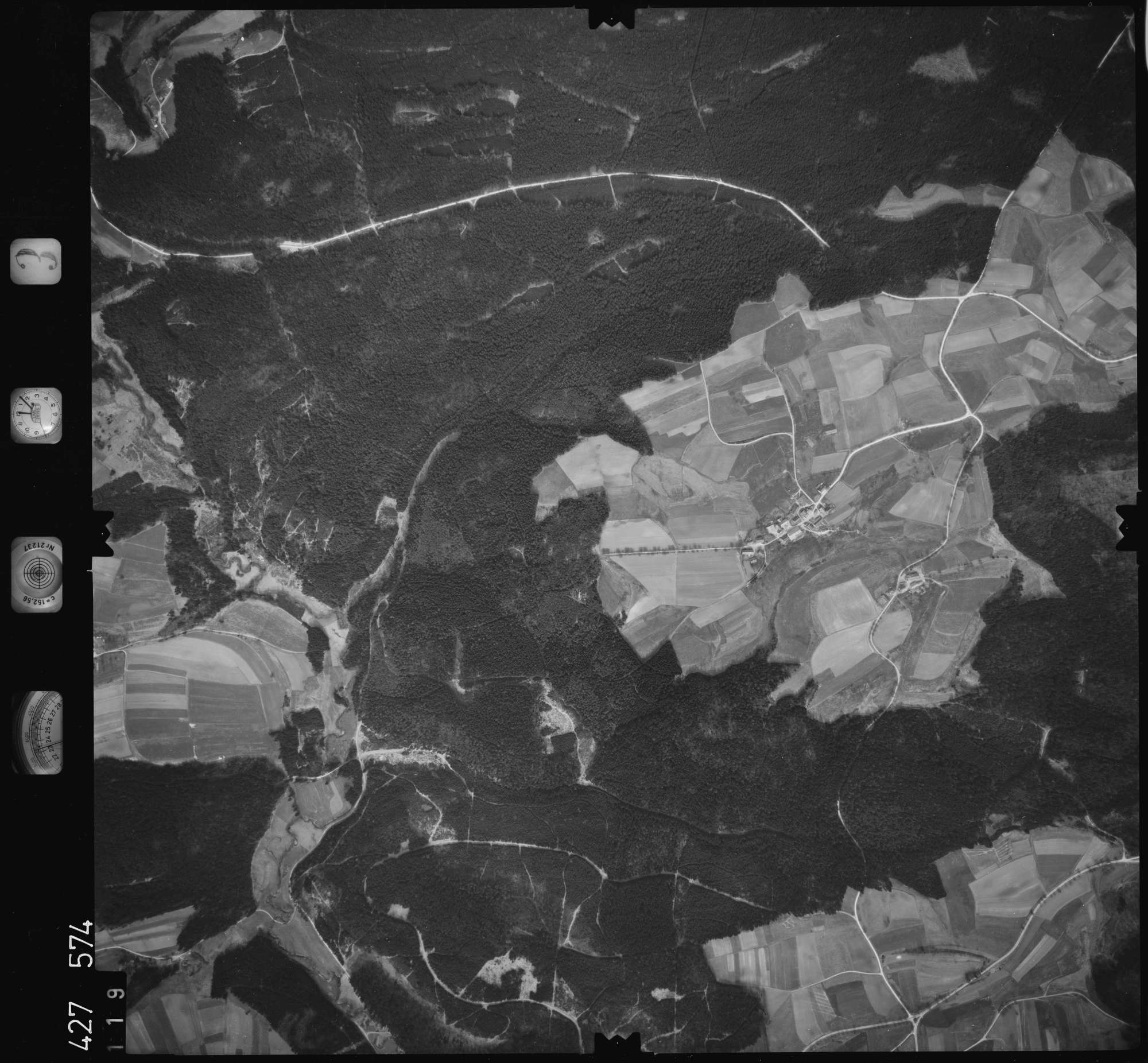 Luftbild: Film 3 Bildnr. 119, Bild 1