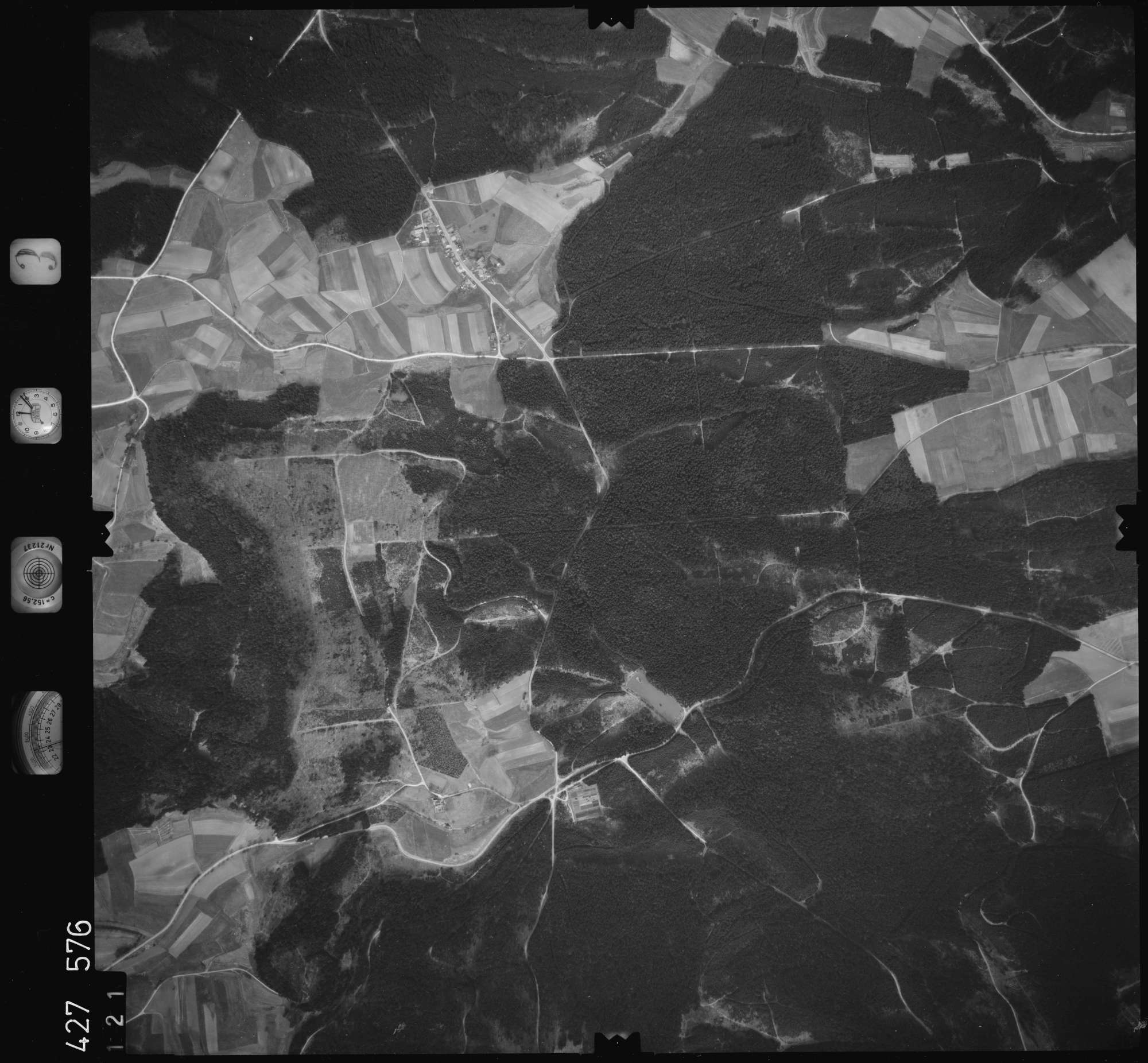 Luftbild: Film 3 Bildnr. 121, Bild 1