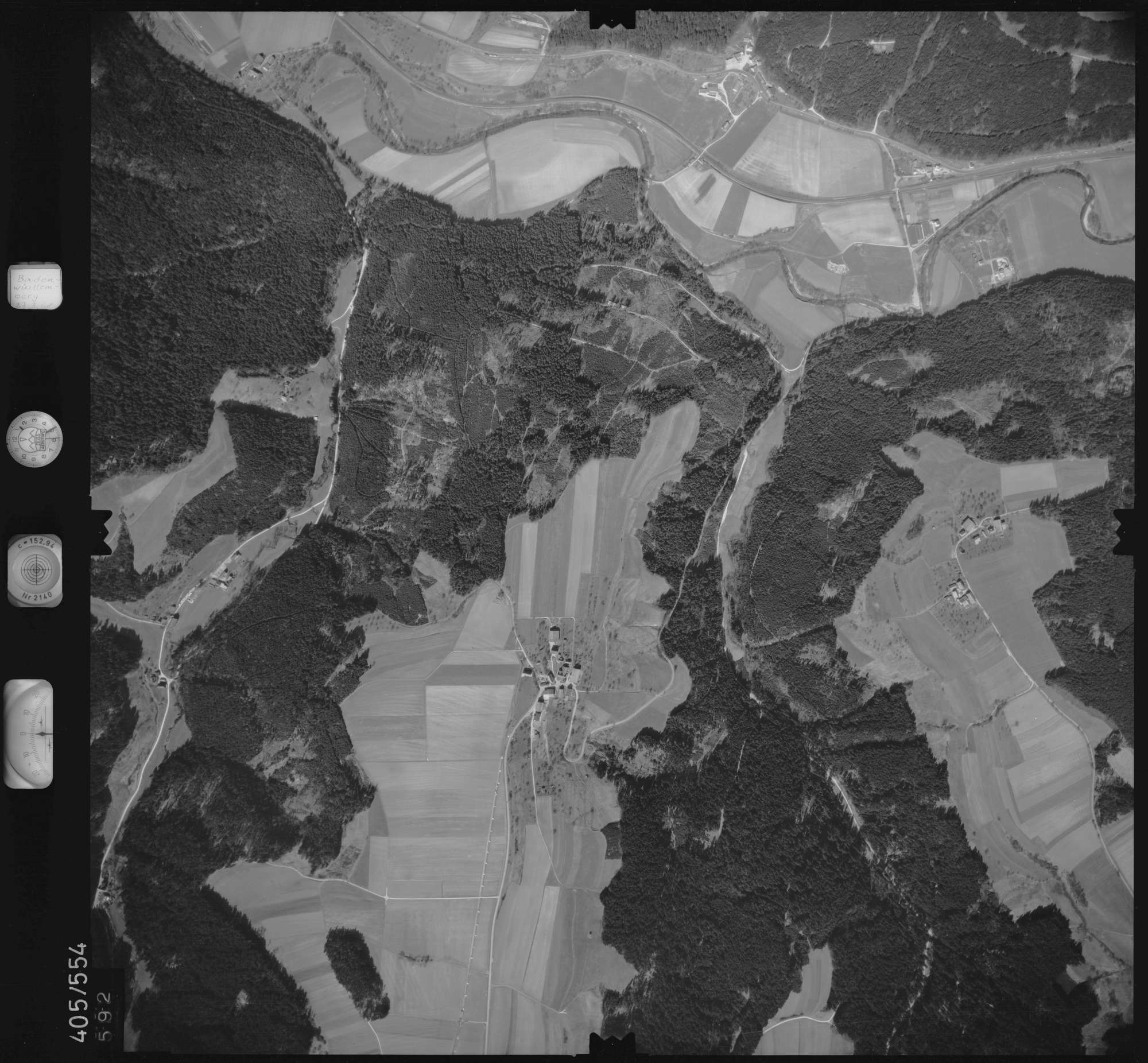 Luftbild: Film 10 Bildnr. 592, Bild 1