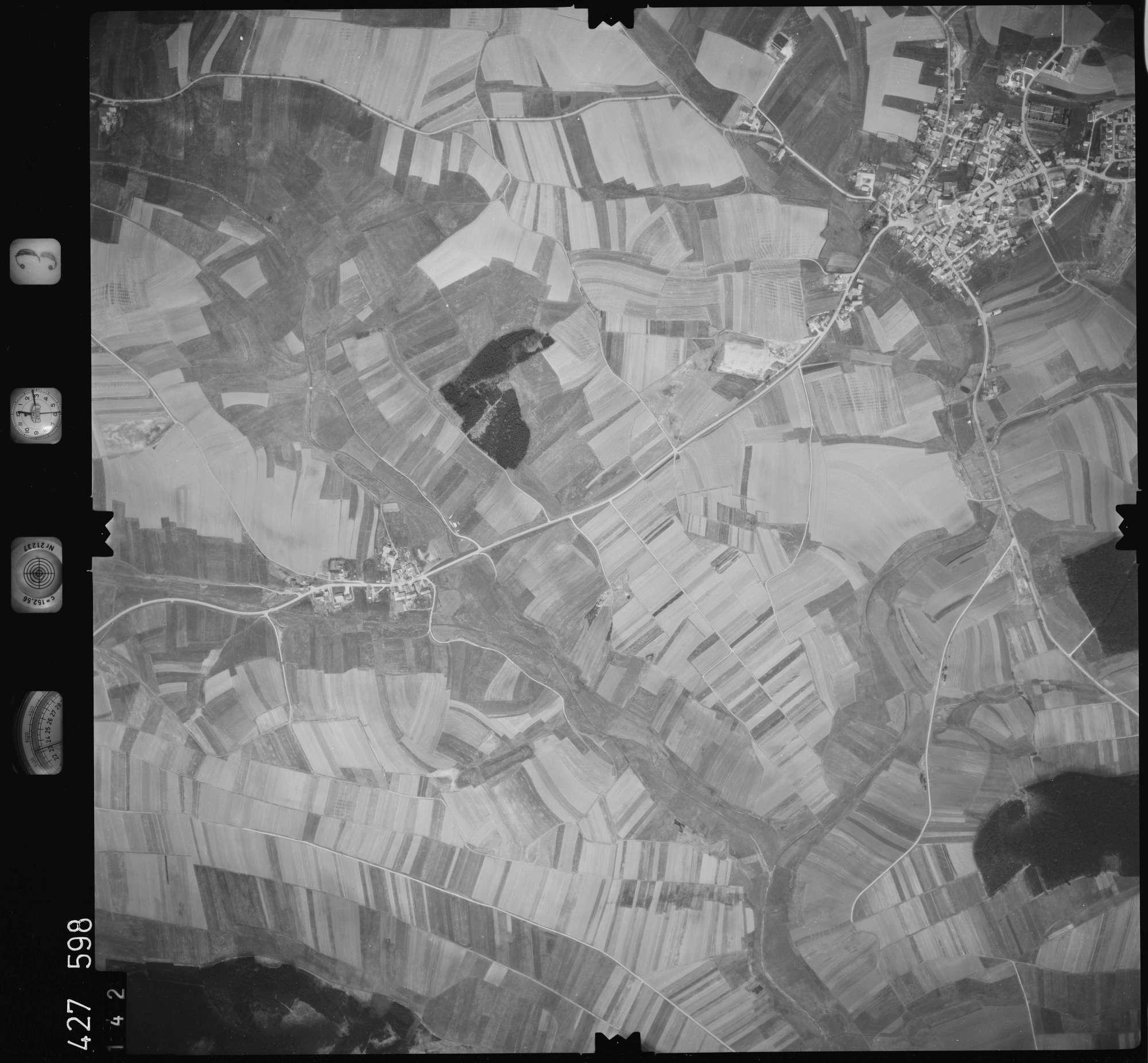 Luftbild: Film 3 Bildnr. 142, Bild 1