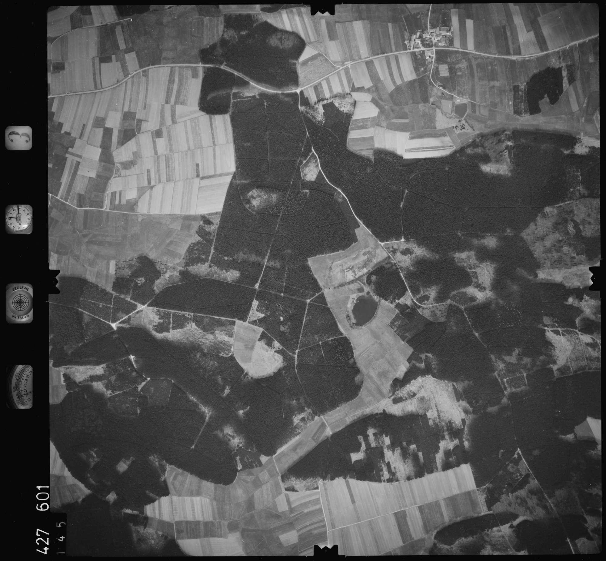 Luftbild: Film 3 Bildnr. 145, Bild 1