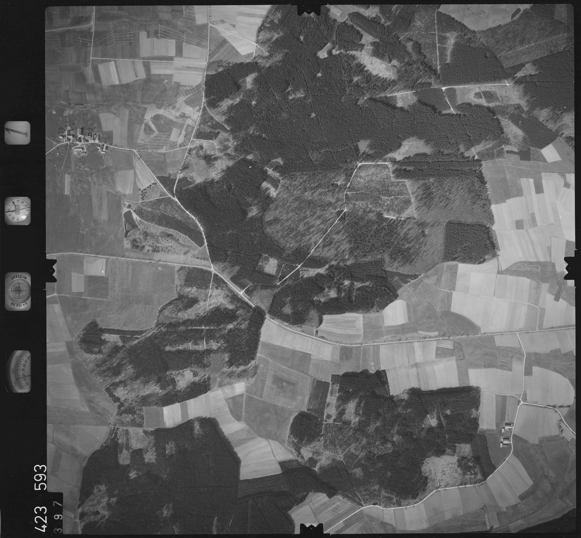 Luftbild: Film 1 Bildnr. 397, Bild 1
