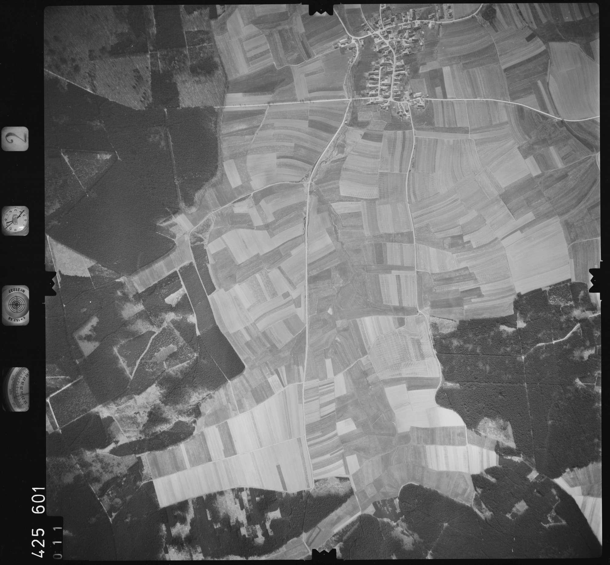 Luftbild: Film 2 Bildnr. 11, Bild 1
