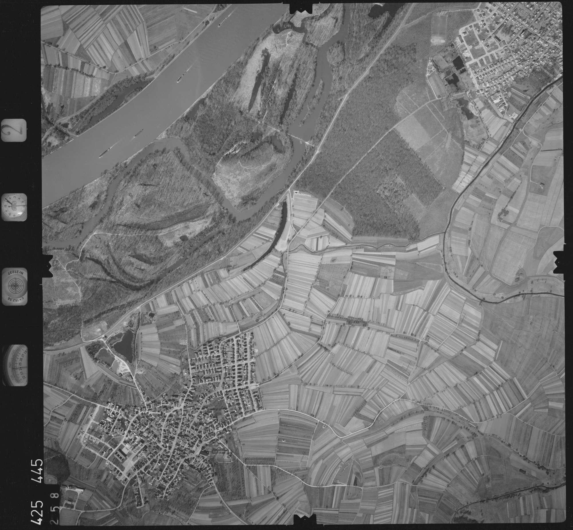 Luftbild: Film 2 Bildnr. 258, Bild 1