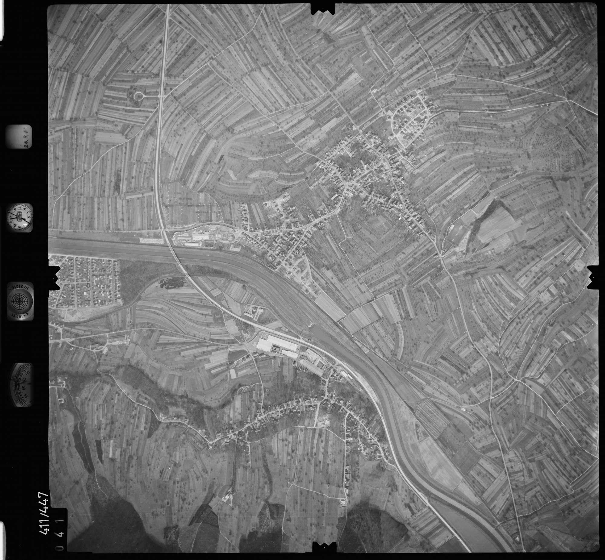 Luftbild: Film 8 Bildnr. 41, Bild 1