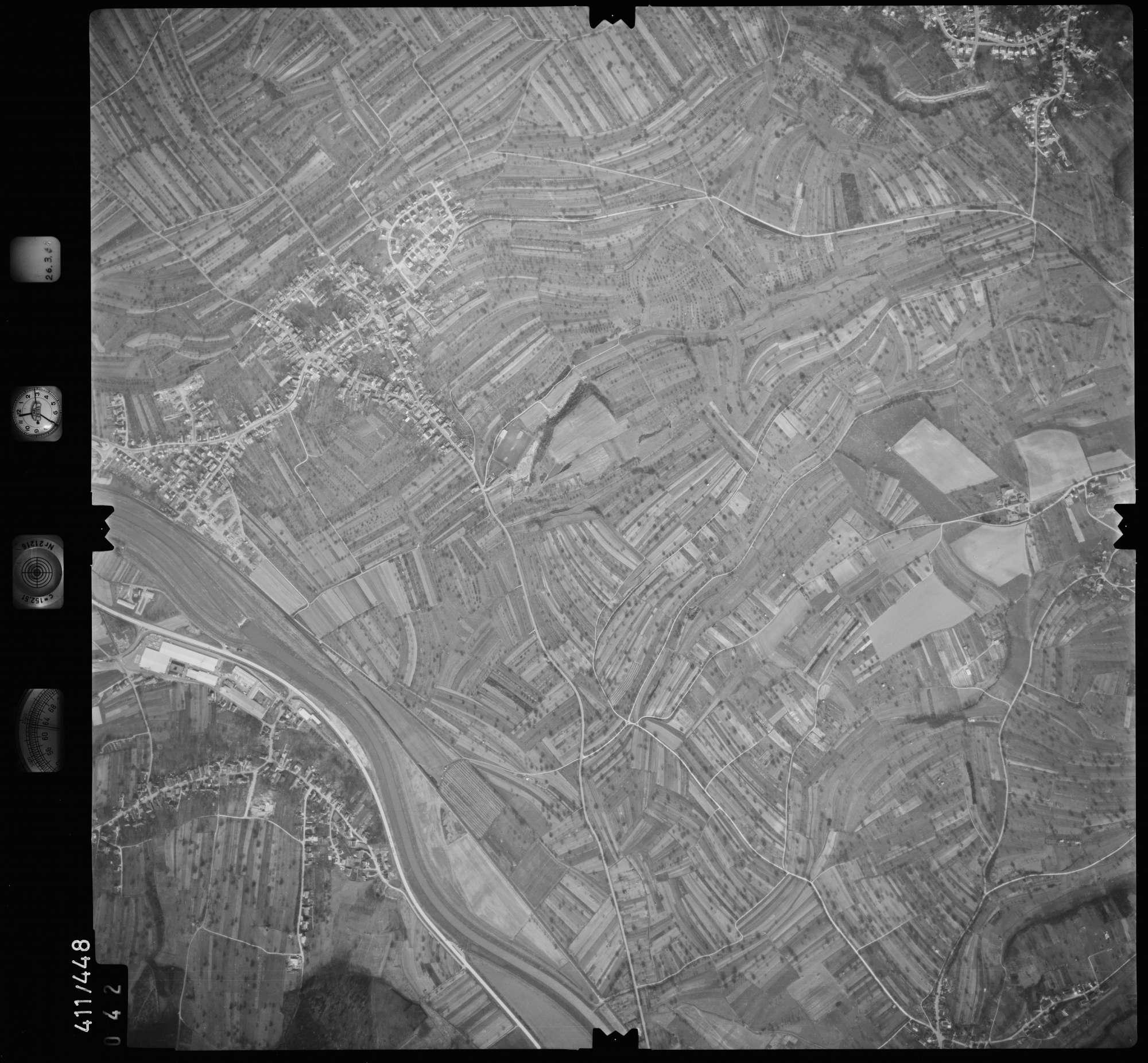Luftbild: Film 8 Bildnr. 42, Bild 1