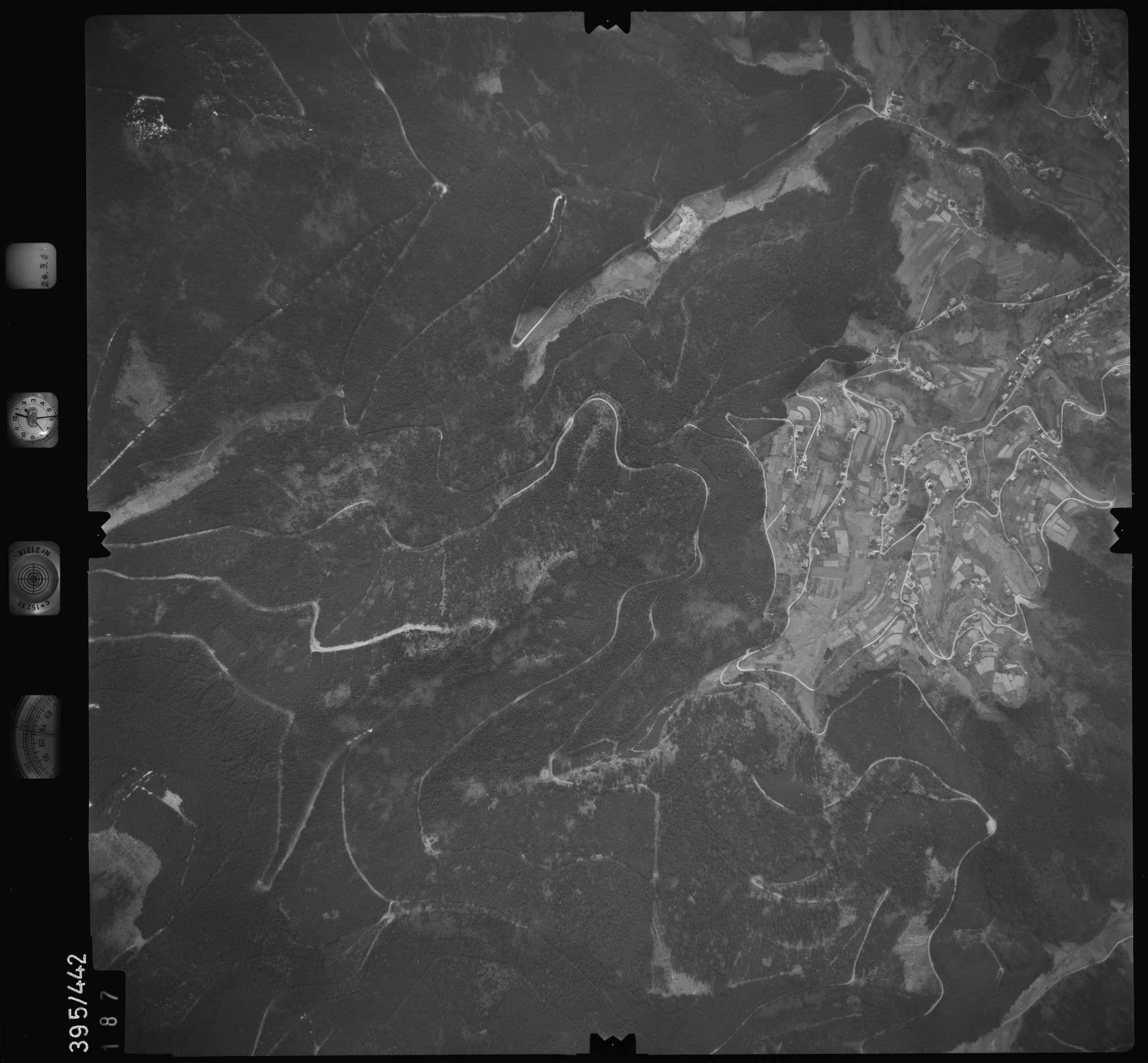 Luftbild: Film 8 Bildnr. 187, Bild 1