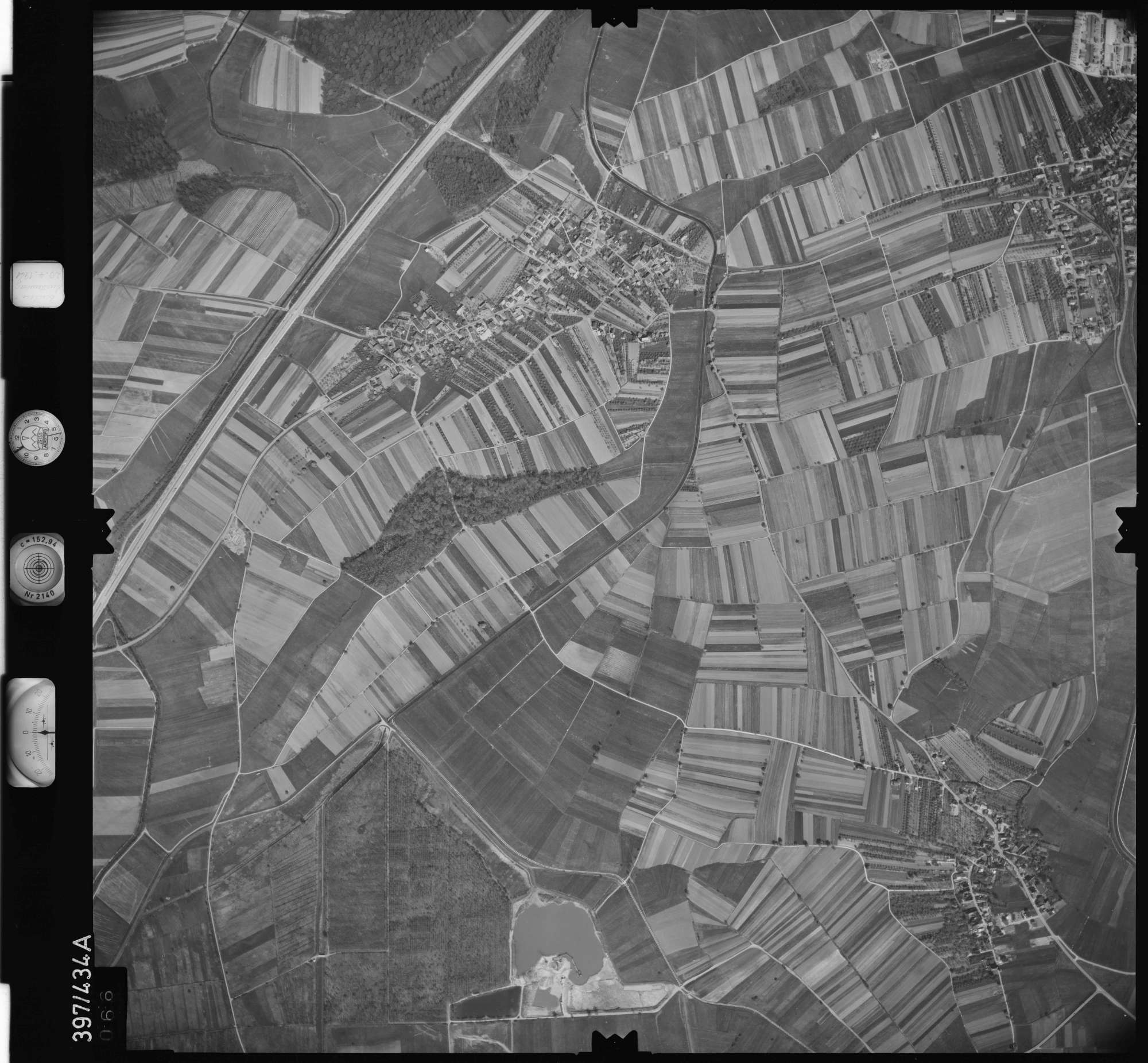 Luftbild: Film 11 Bildnr. 66, Bild 1