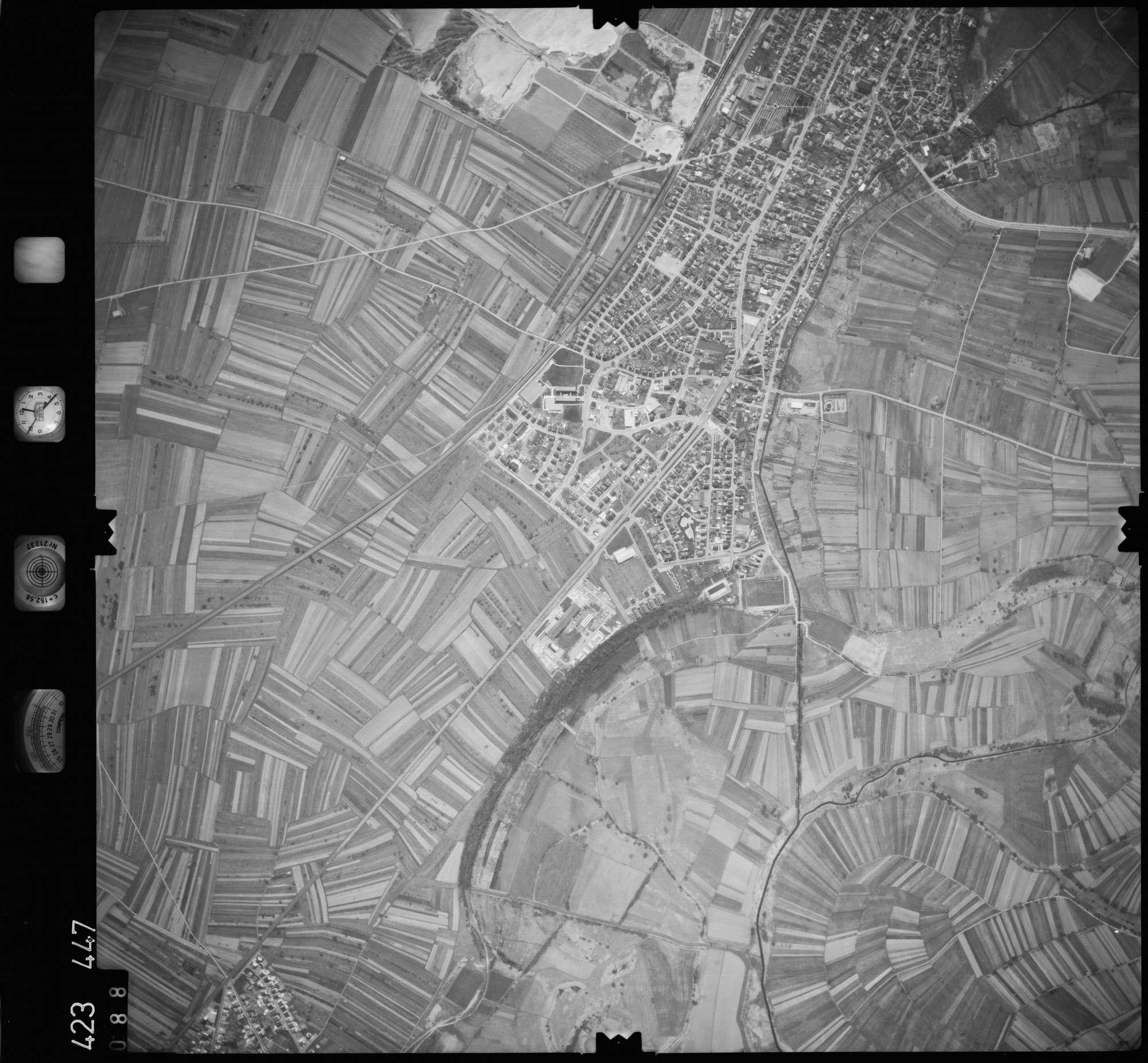 Luftbild: Film 1 Bildnr. 88, Bild 1