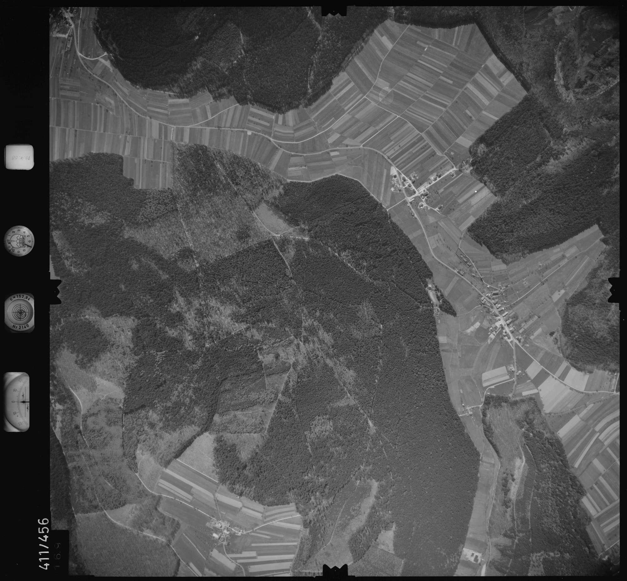 Luftbild: Film 4 Bildnr. 169, Bild 1