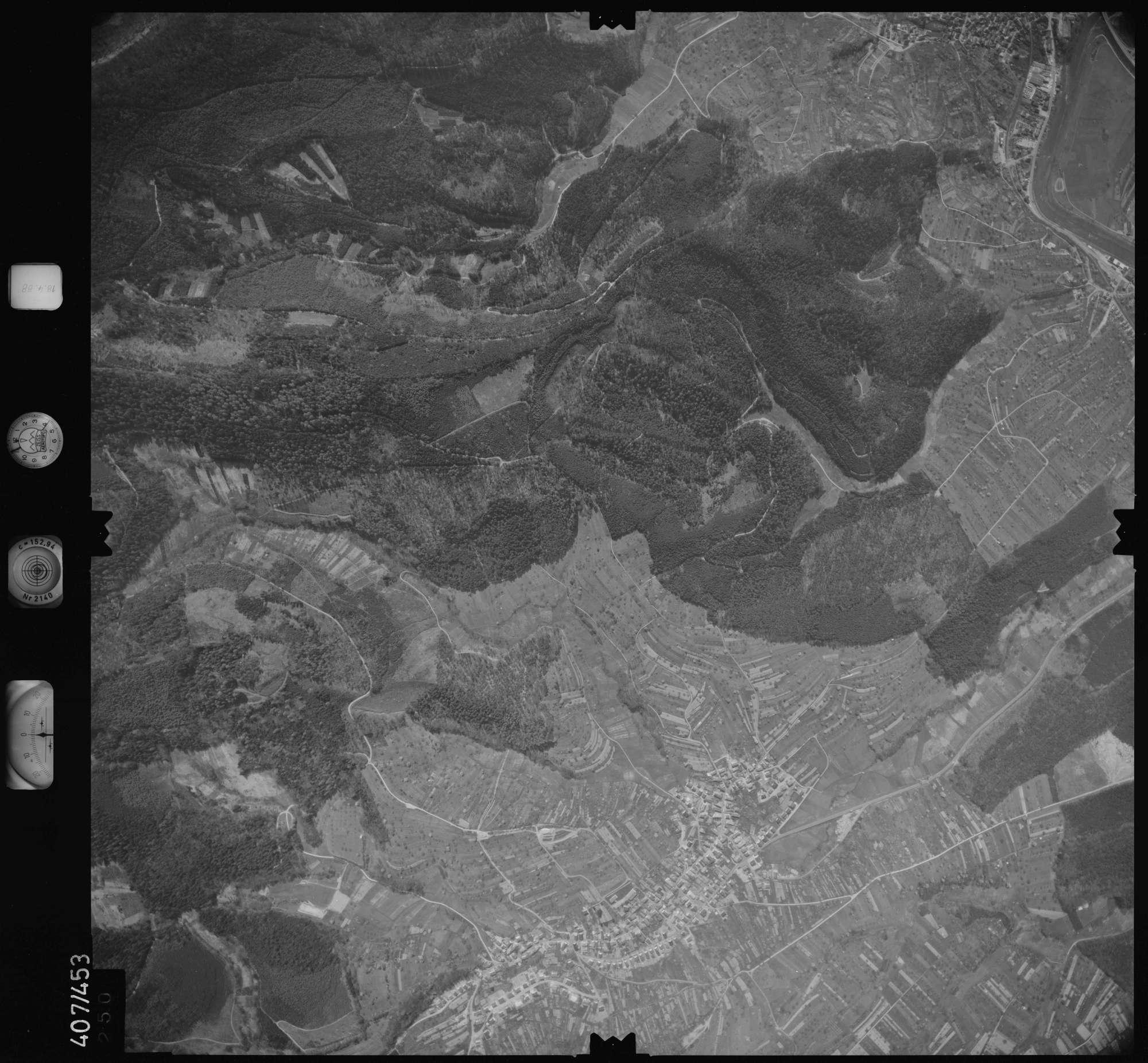 Luftbild: Film 4 Bildnr. 250, Bild 1