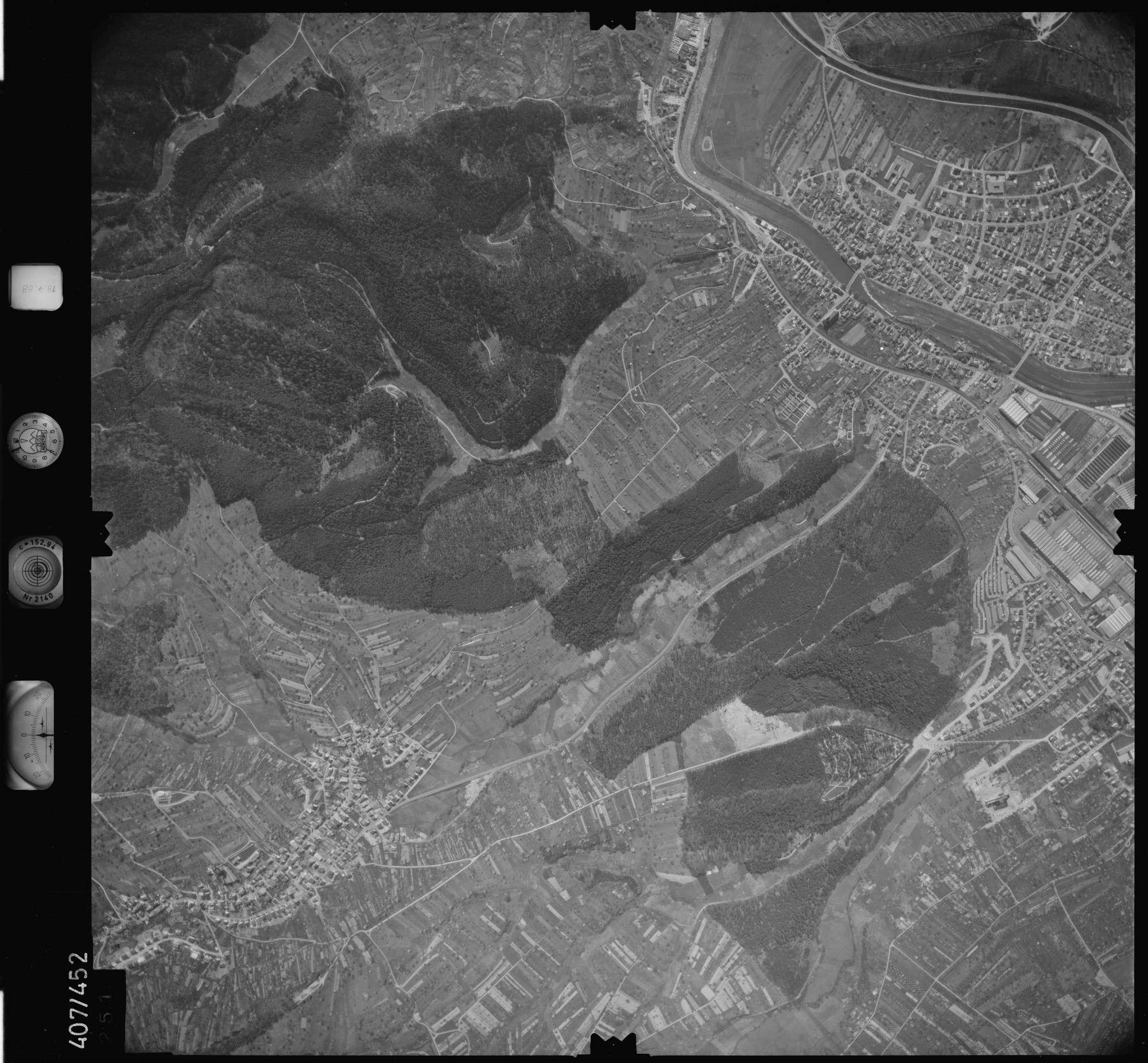 Luftbild: Film 4 Bildnr. 251, Bild 1