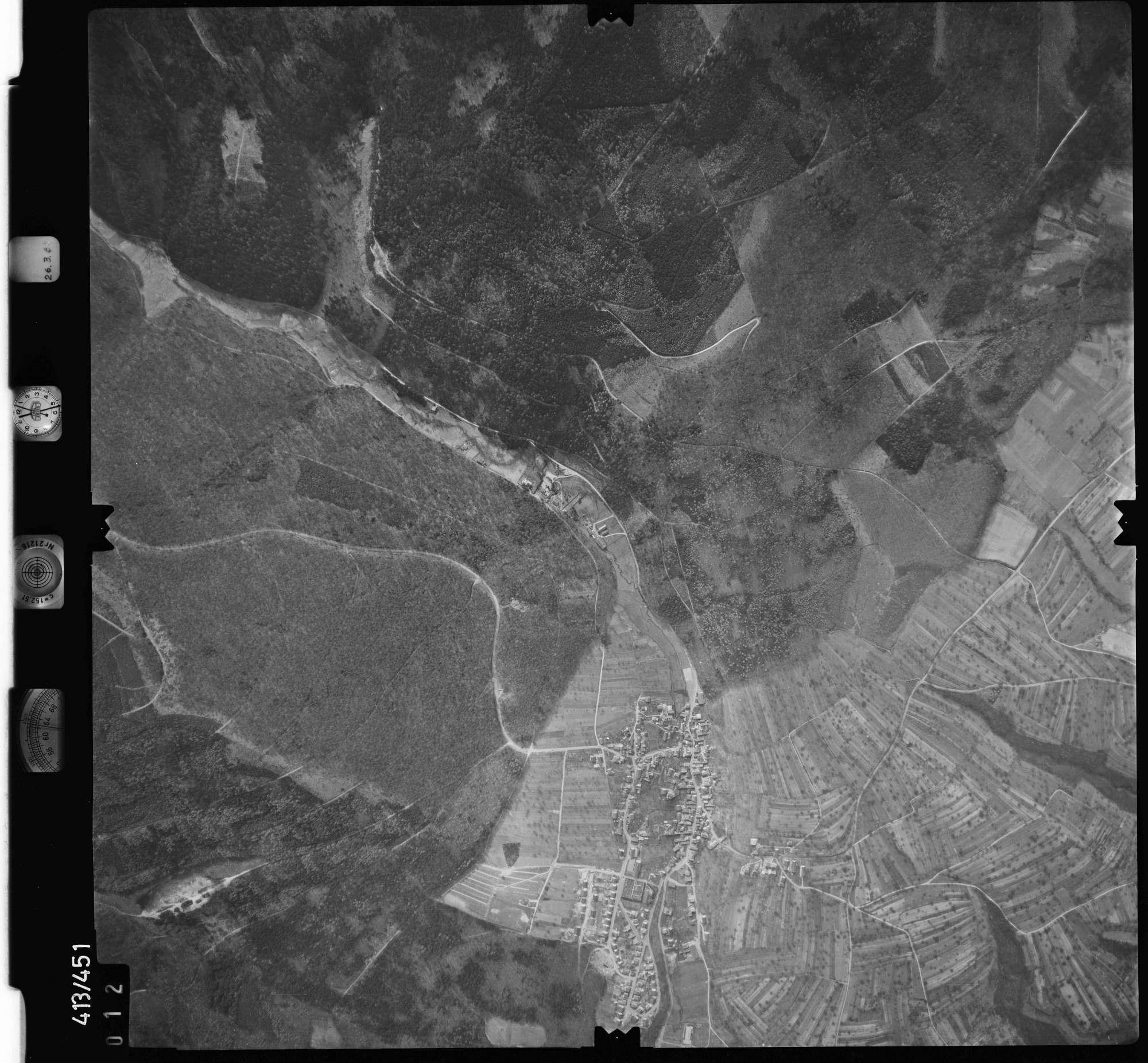 Luftbild: Film 8 Bildnr. 12, Bild 1