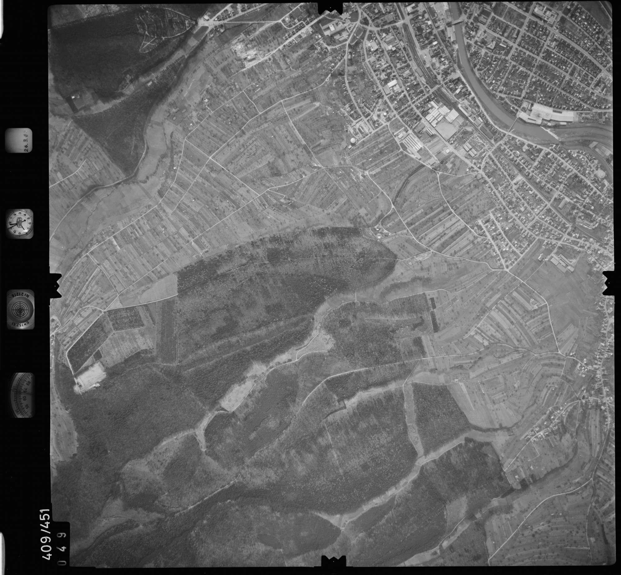 Luftbild: Film 8 Bildnr. 49, Bild 1