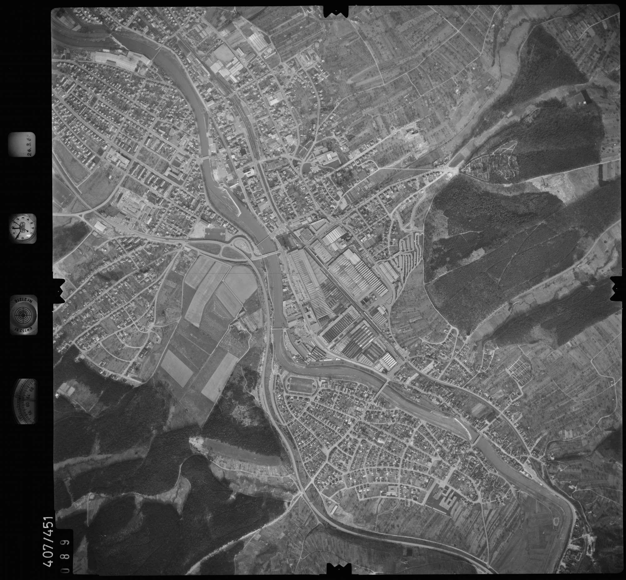 Luftbild: Film 8 Bildnr. 89, Bild 1