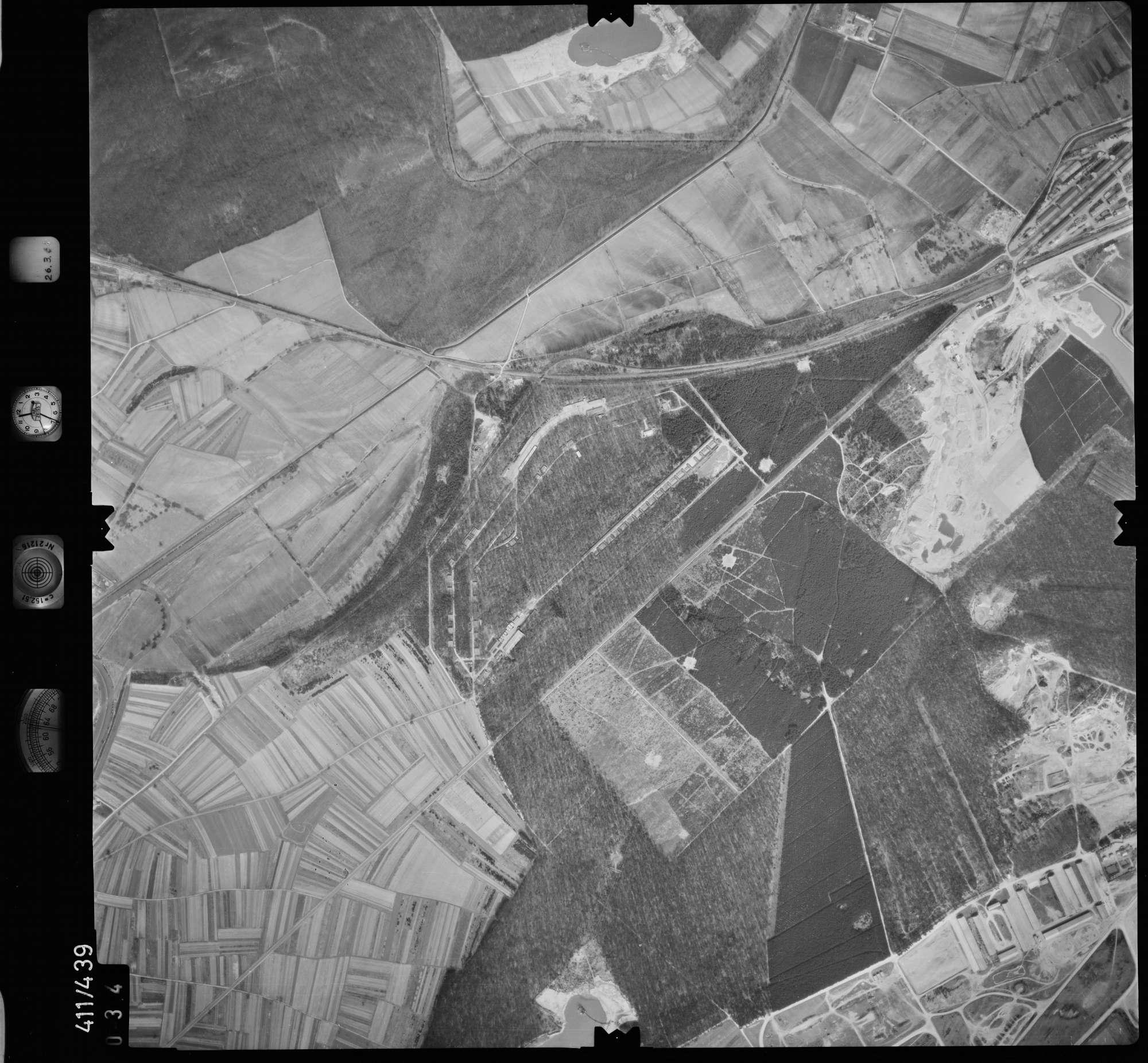 Luftbild: Film 8 Bildnr. 34, Bild 1