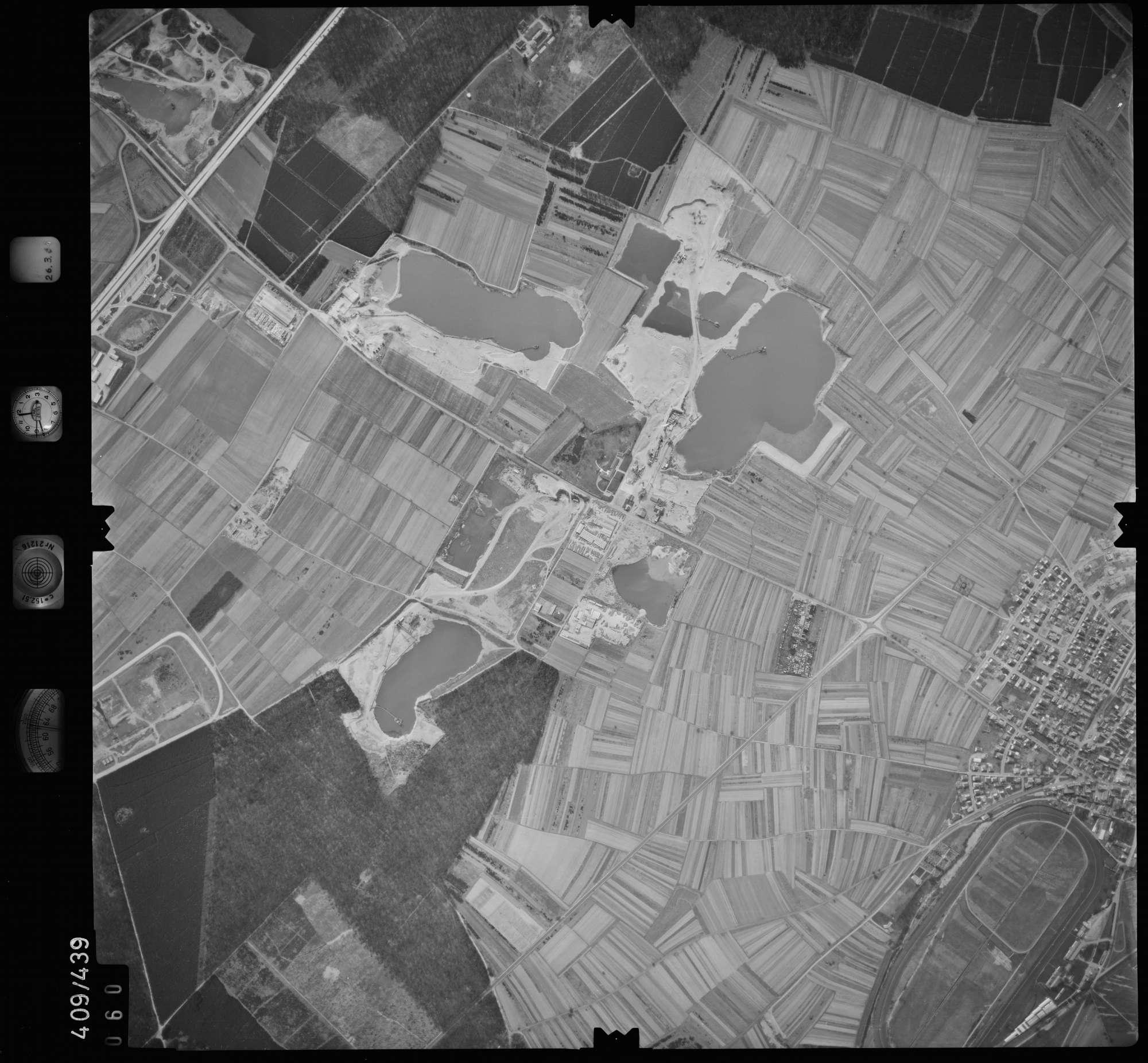 Luftbild: Film 8 Bildnr. 60, Bild 1