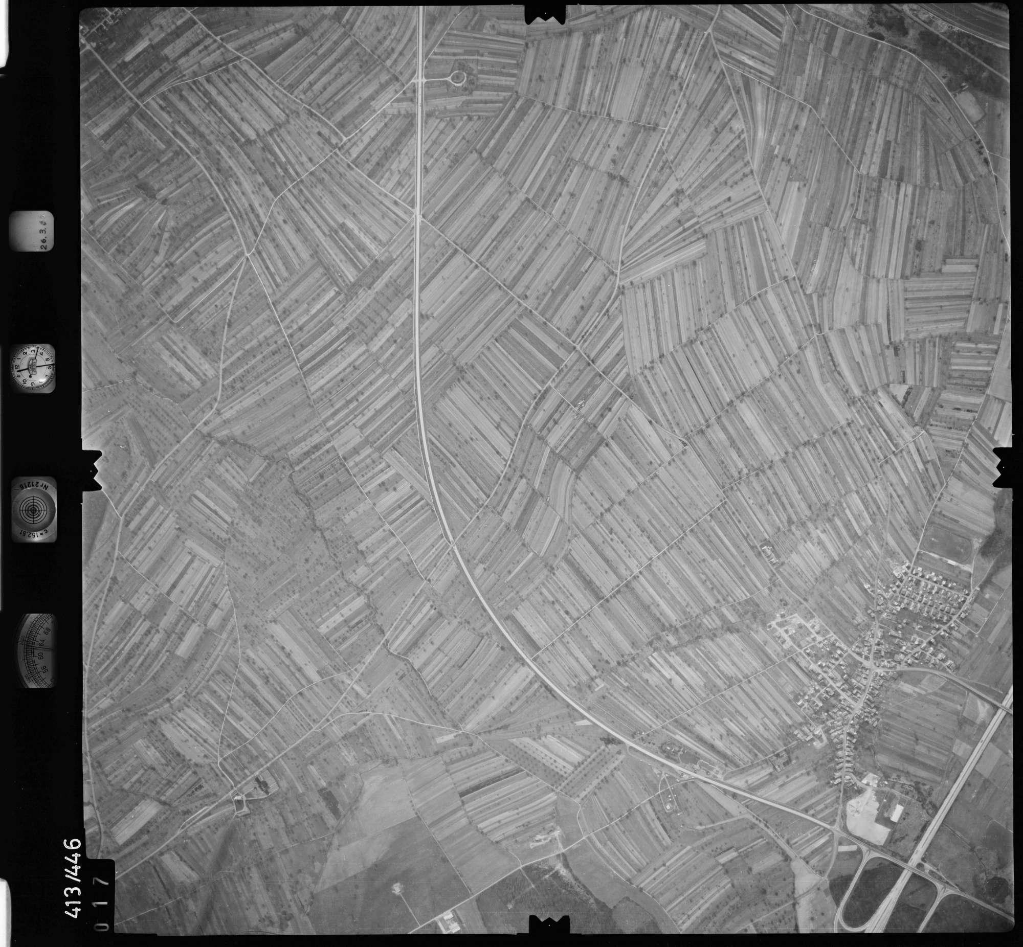 Luftbild: Film 8 Bildnr. 17, Bild 1
