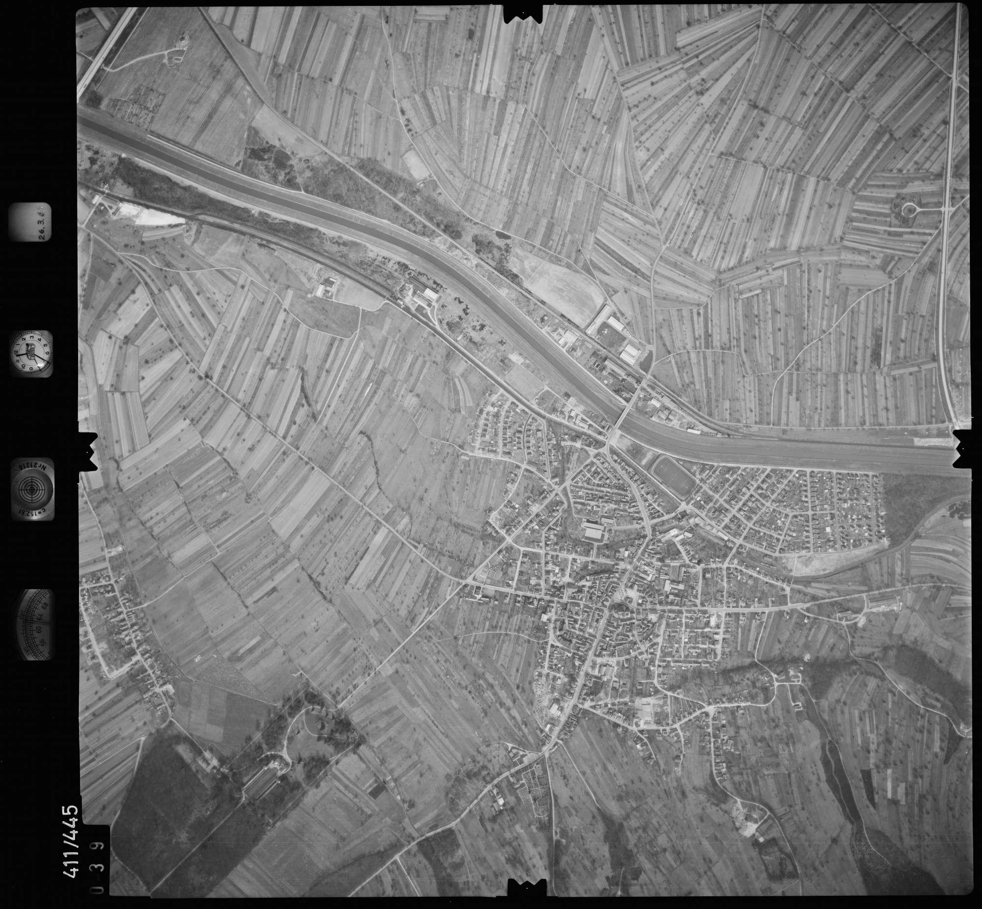 Luftbild: Film 8 Bildnr. 39, Bild 1