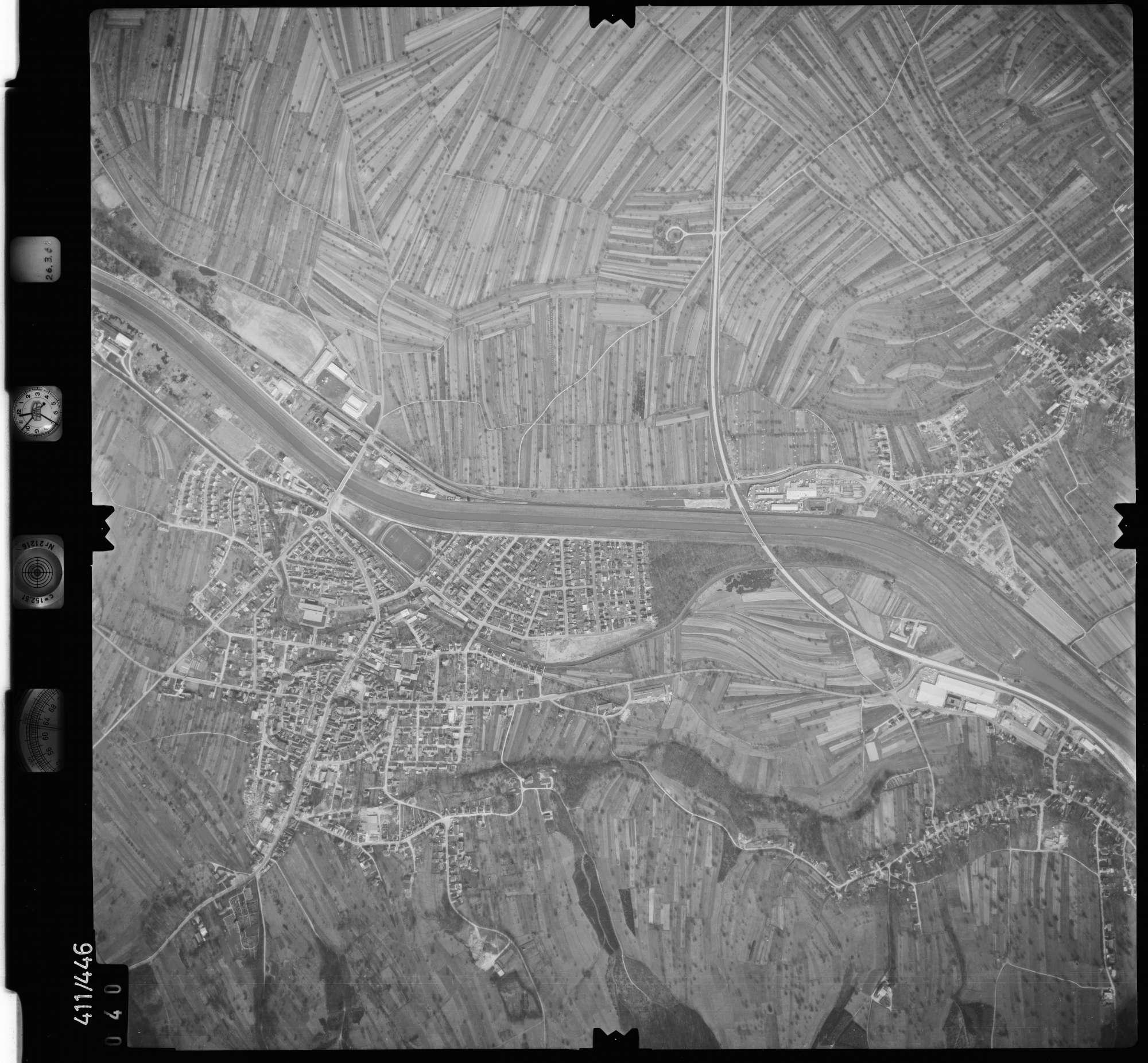 Luftbild: Film 8 Bildnr. 40, Bild 1