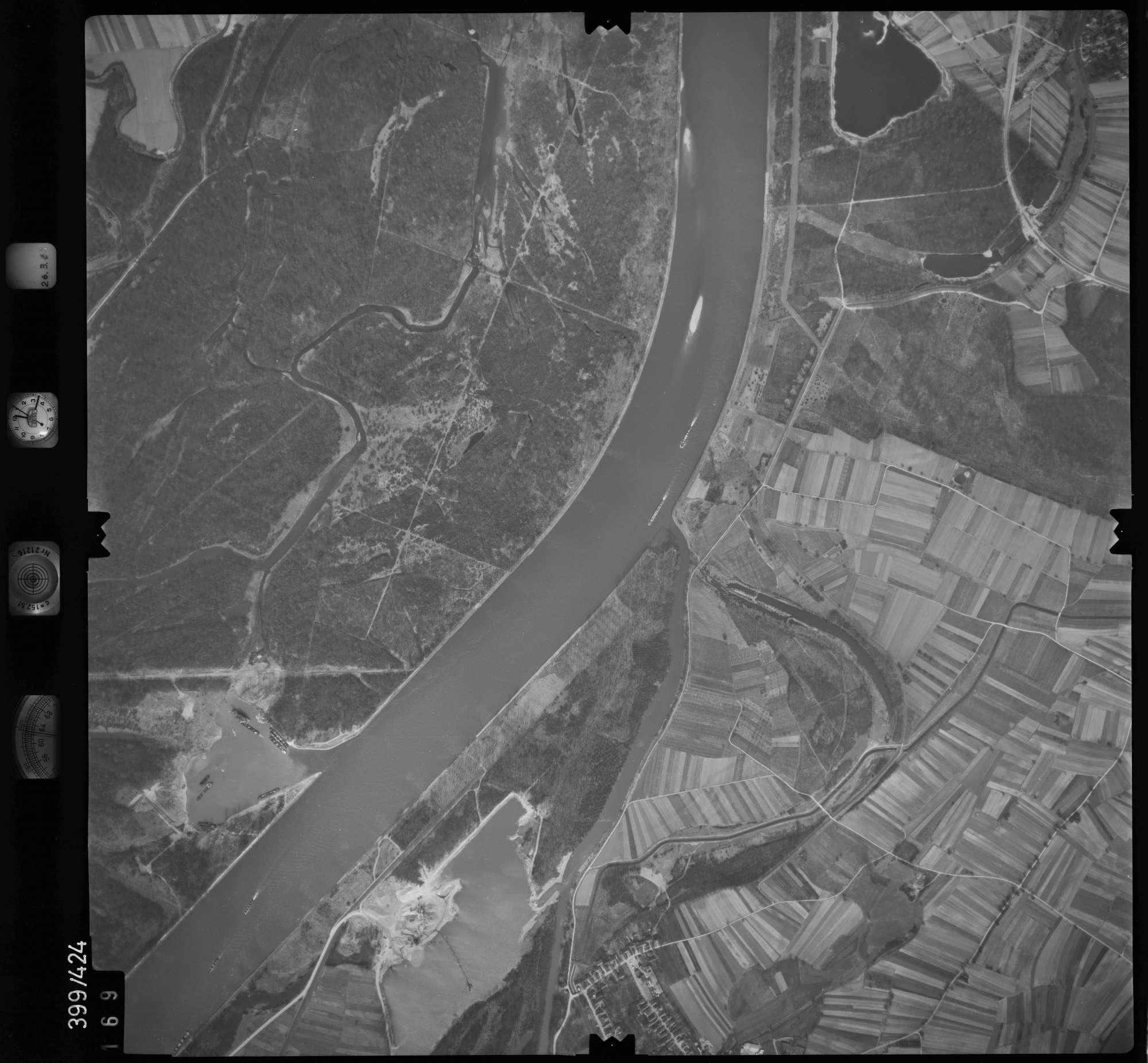 Luftbild: Film 8 Bildnr. 169, Bild 1