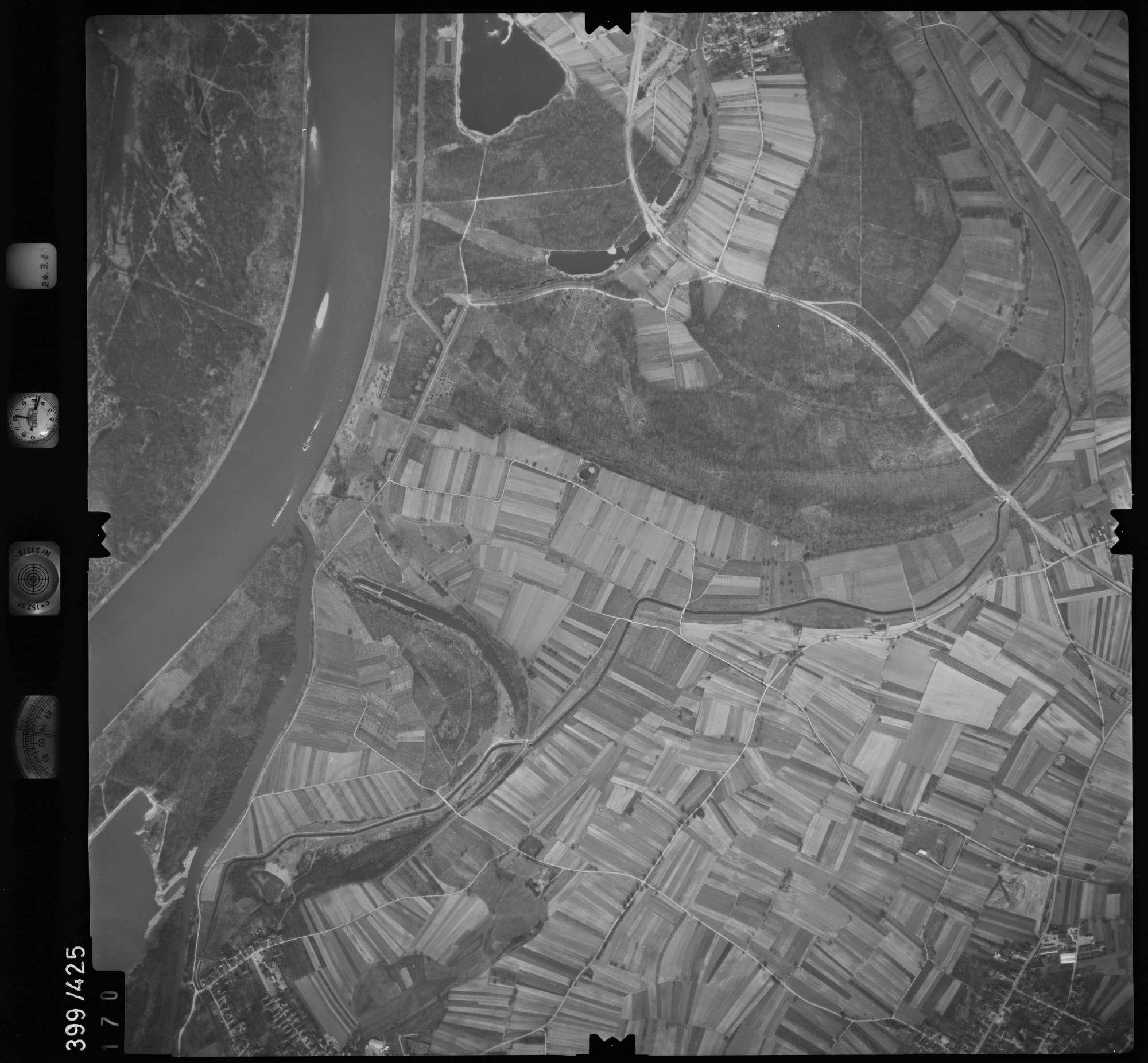 Luftbild: Film 8 Bildnr. 170, Bild 1