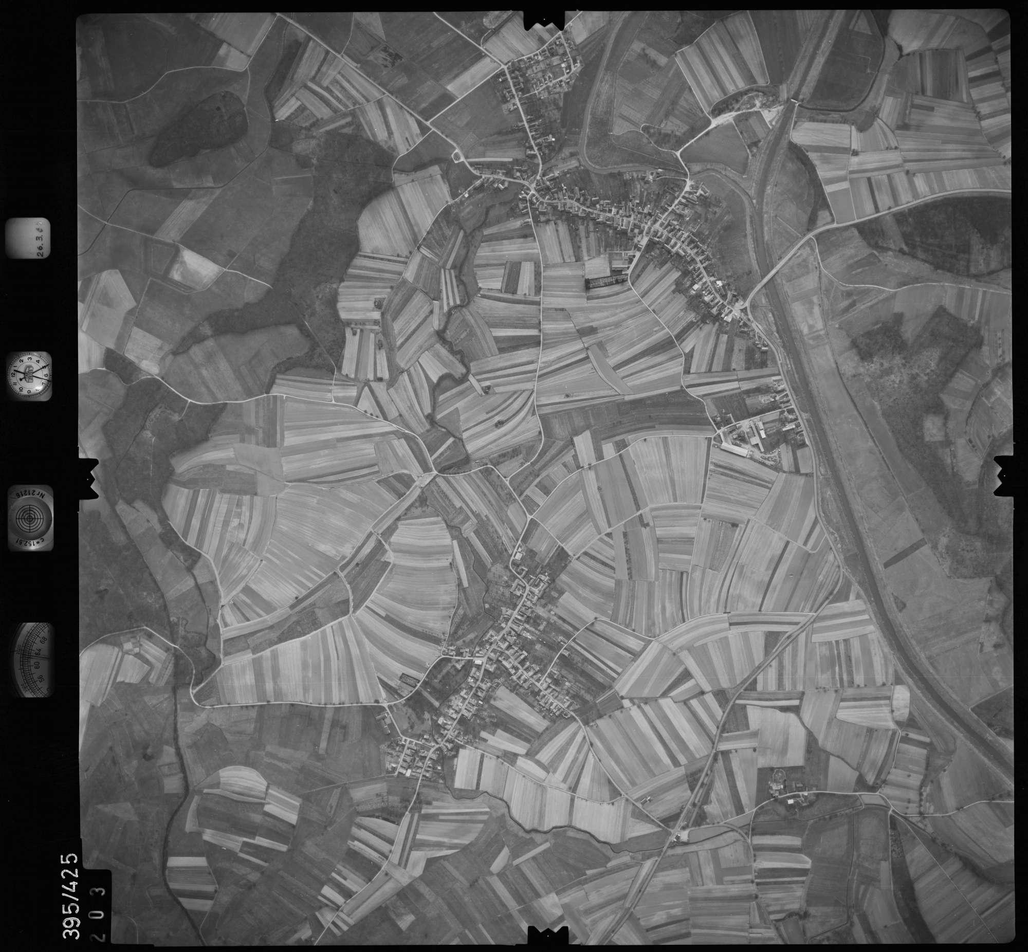 Luftbild: Film 8 Bildnr. 203, Bild 1