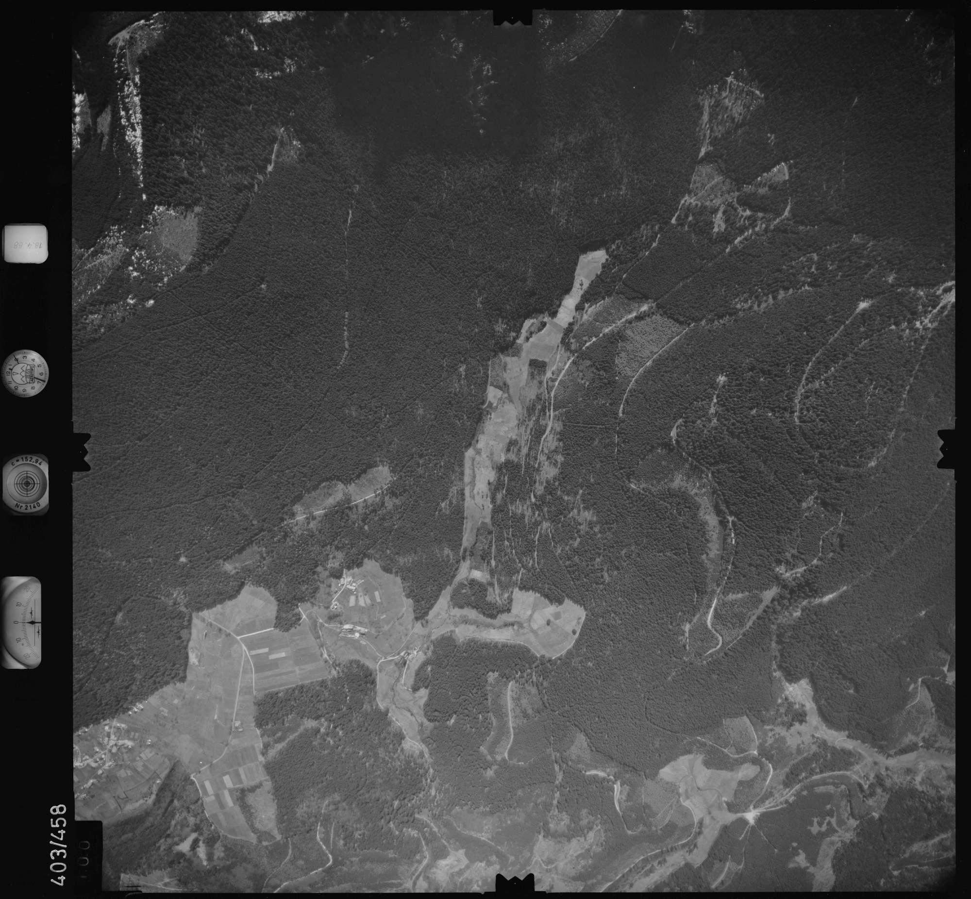 Luftbild: Film 9 Bildnr. 100, Bild 1