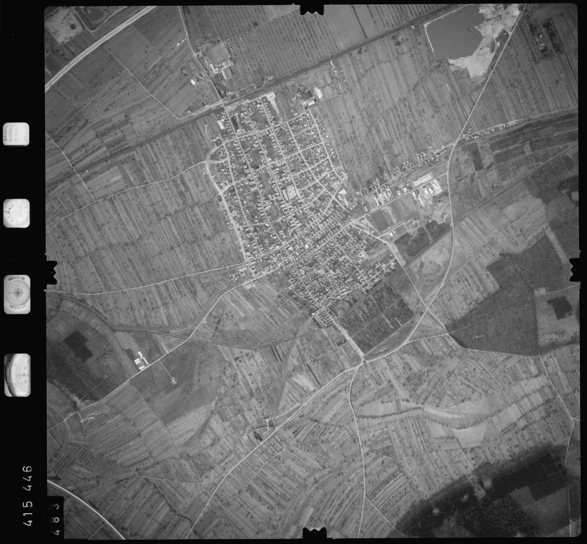 Luftbild: Film 2 Bildnr. 483, Bild 1