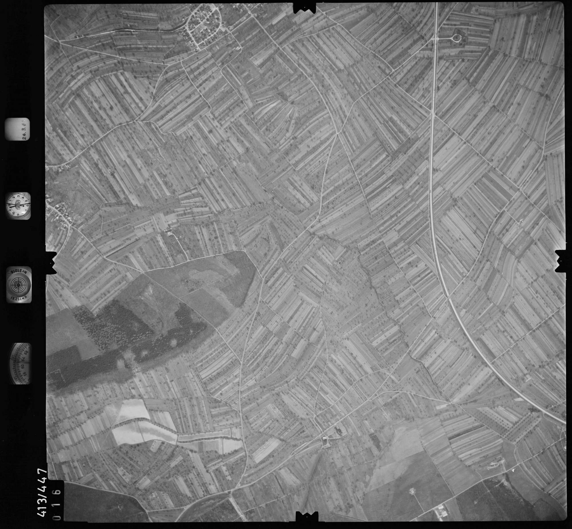 Luftbild: Film 8 Bildnr. 16, Bild 1