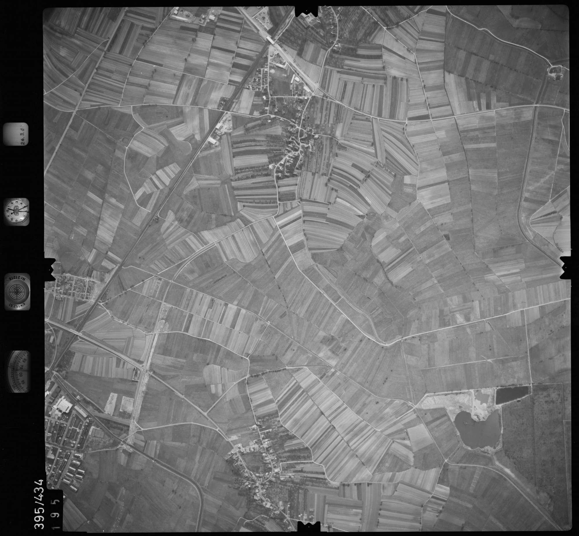 Luftbild: Film 8 Bildnr. 195, Bild 1