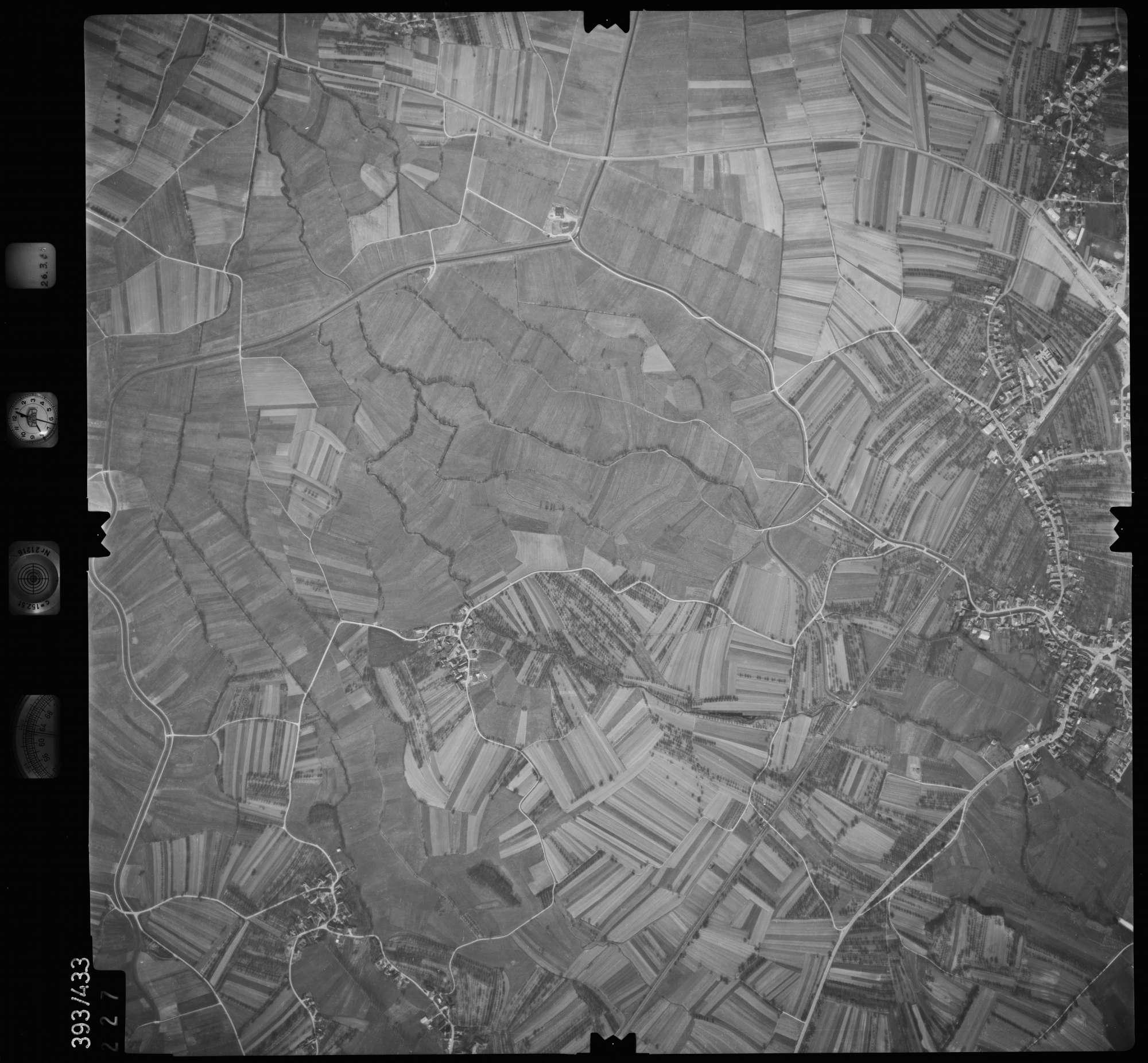 Luftbild: Film 8 Bildnr. 227, Bild 1