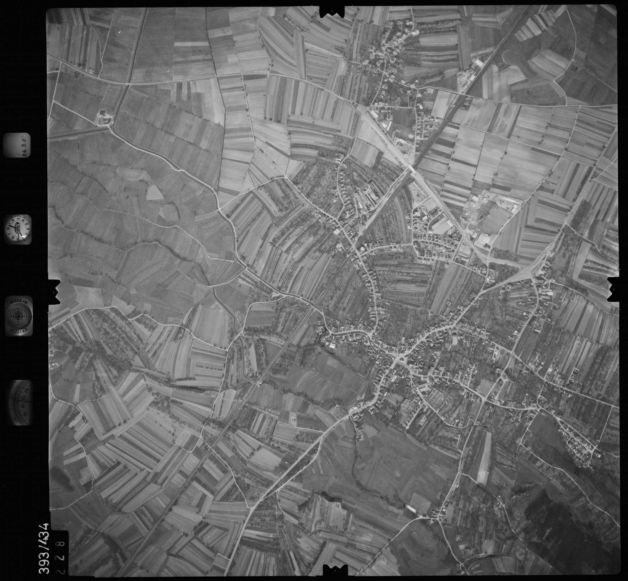 Luftbild: Film 8 Bildnr. 228, Bild 1