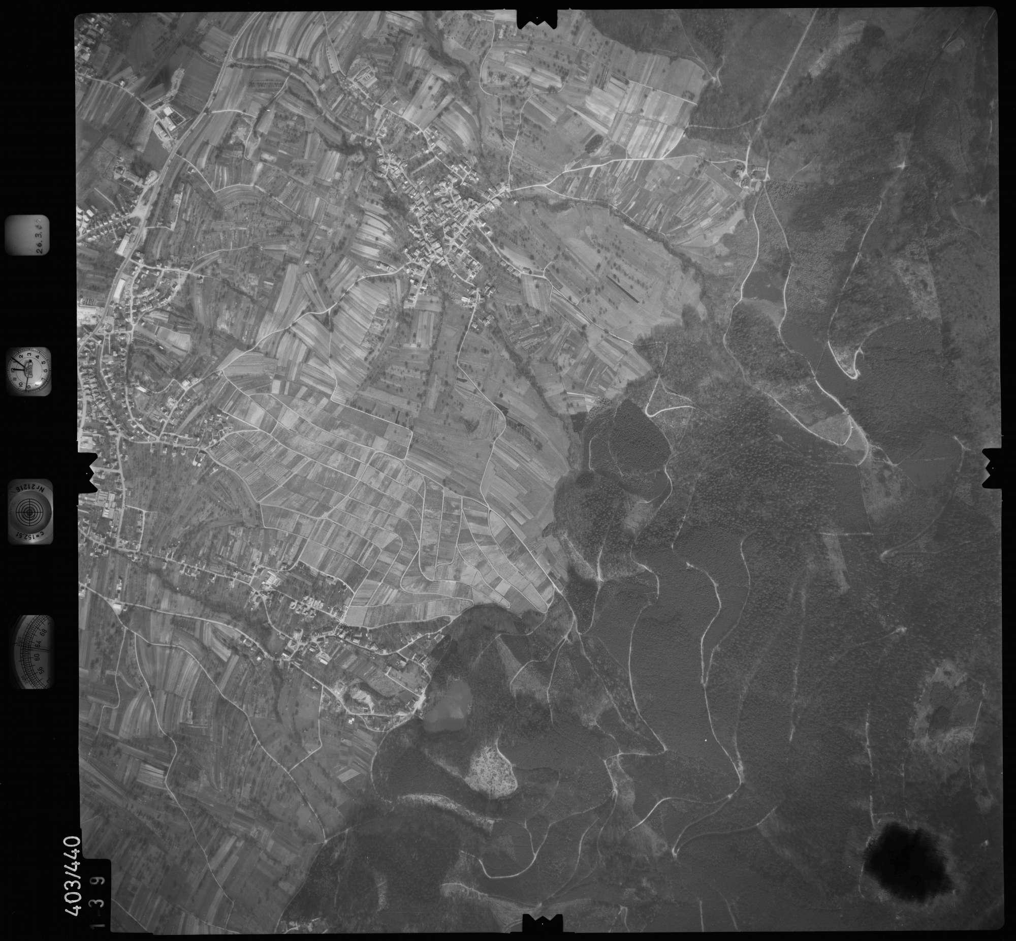 Luftbild: Film 8 Bildnr. 139, Bild 1