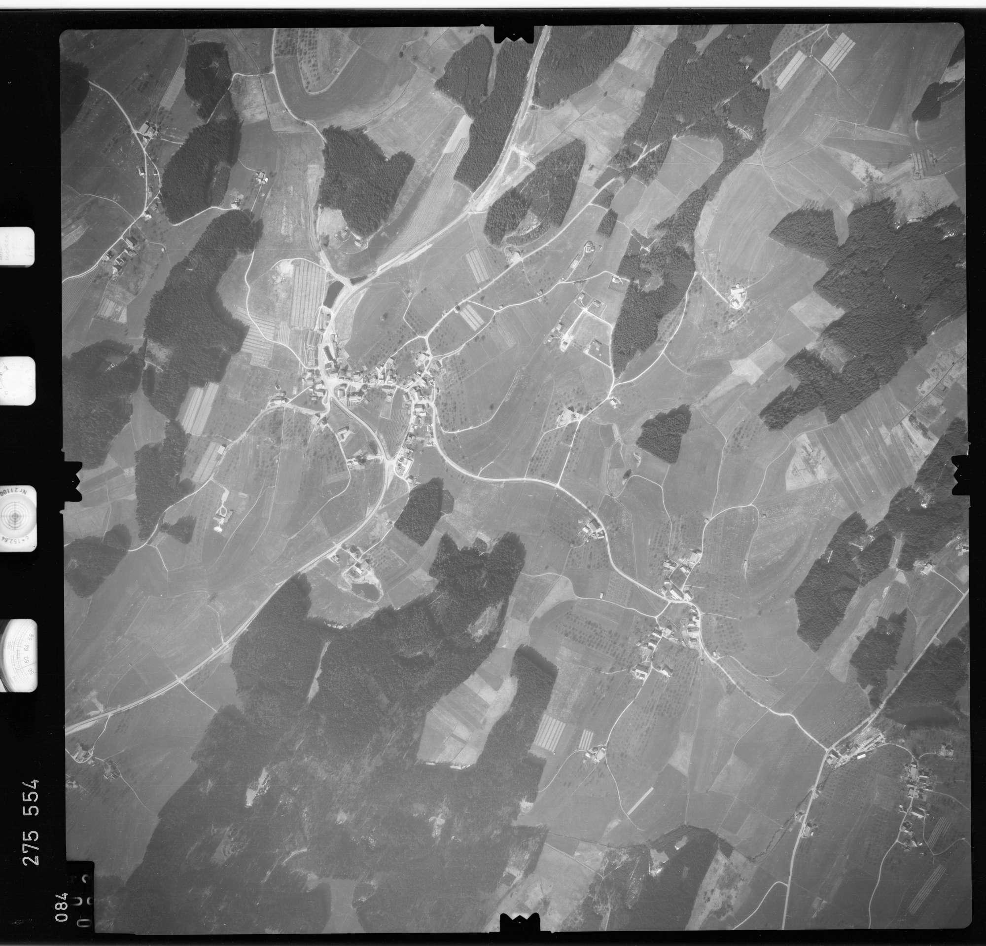 Luftbild: Film 74 Bildnr. 84, Bild 1