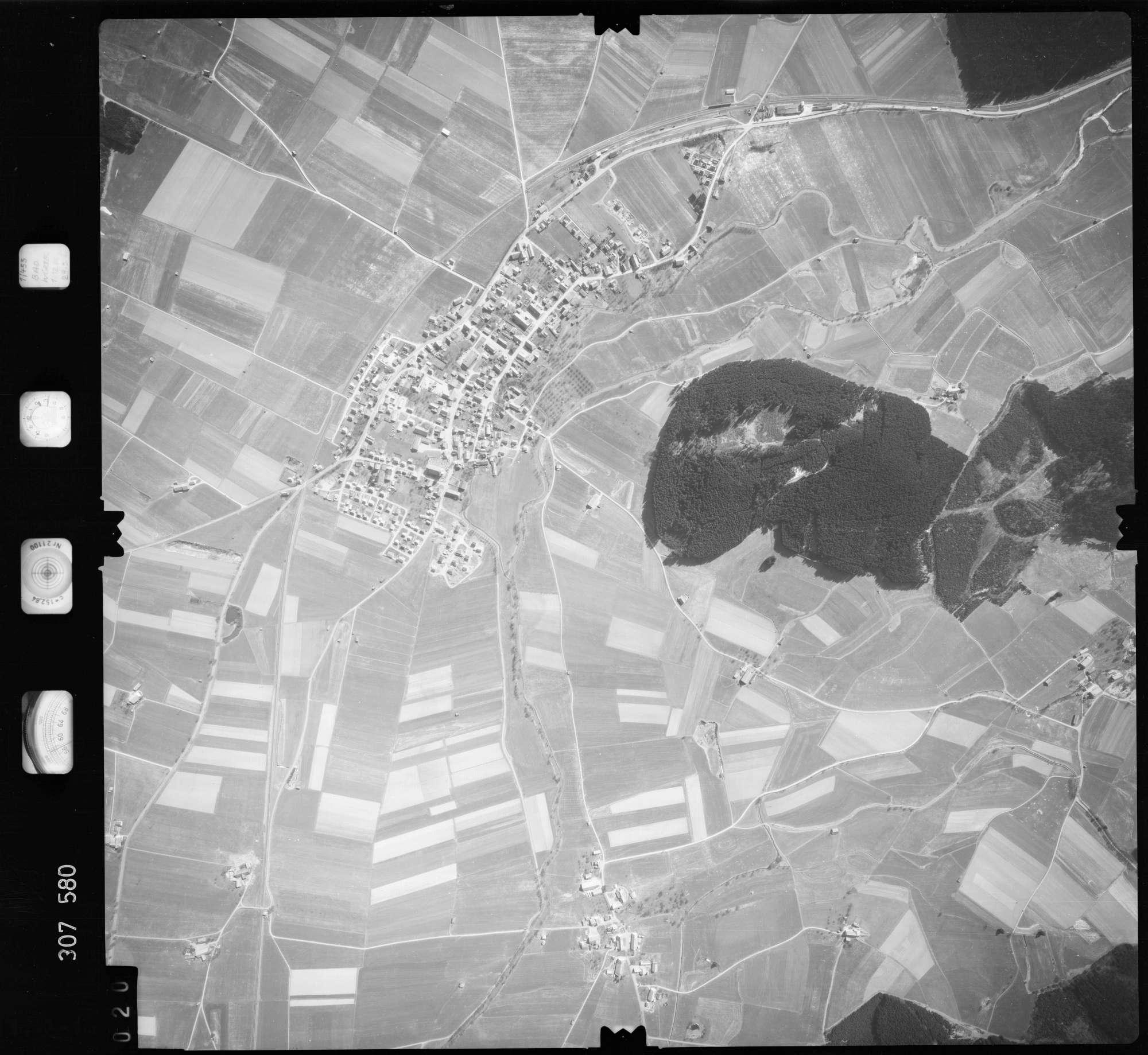 Luftbild: Film 61 Bildnr. 20, Bild 1