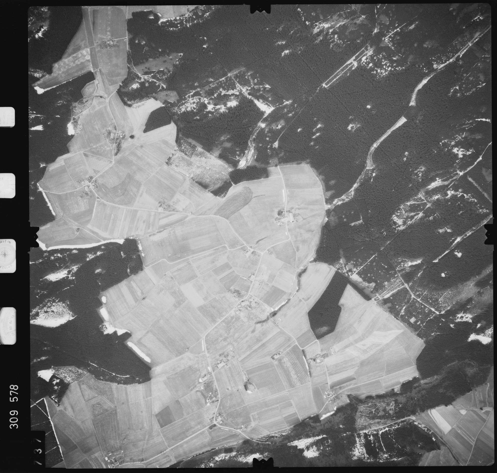 Luftbild: Film 59 Bildnr. 737, Bild 1