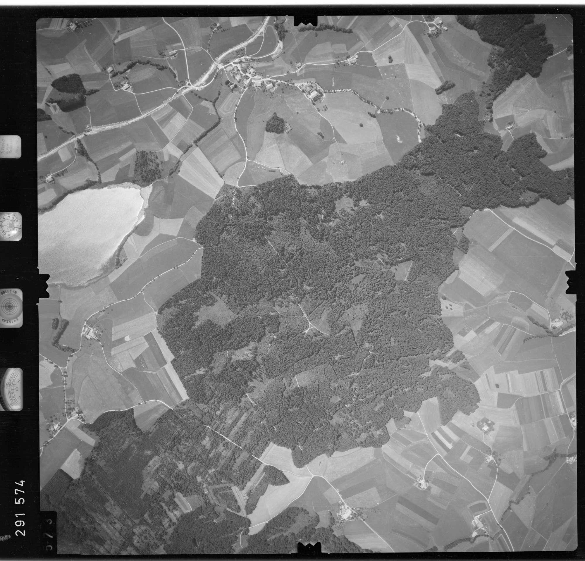Luftbild: Film 76 Bildnr. 573, Bild 1