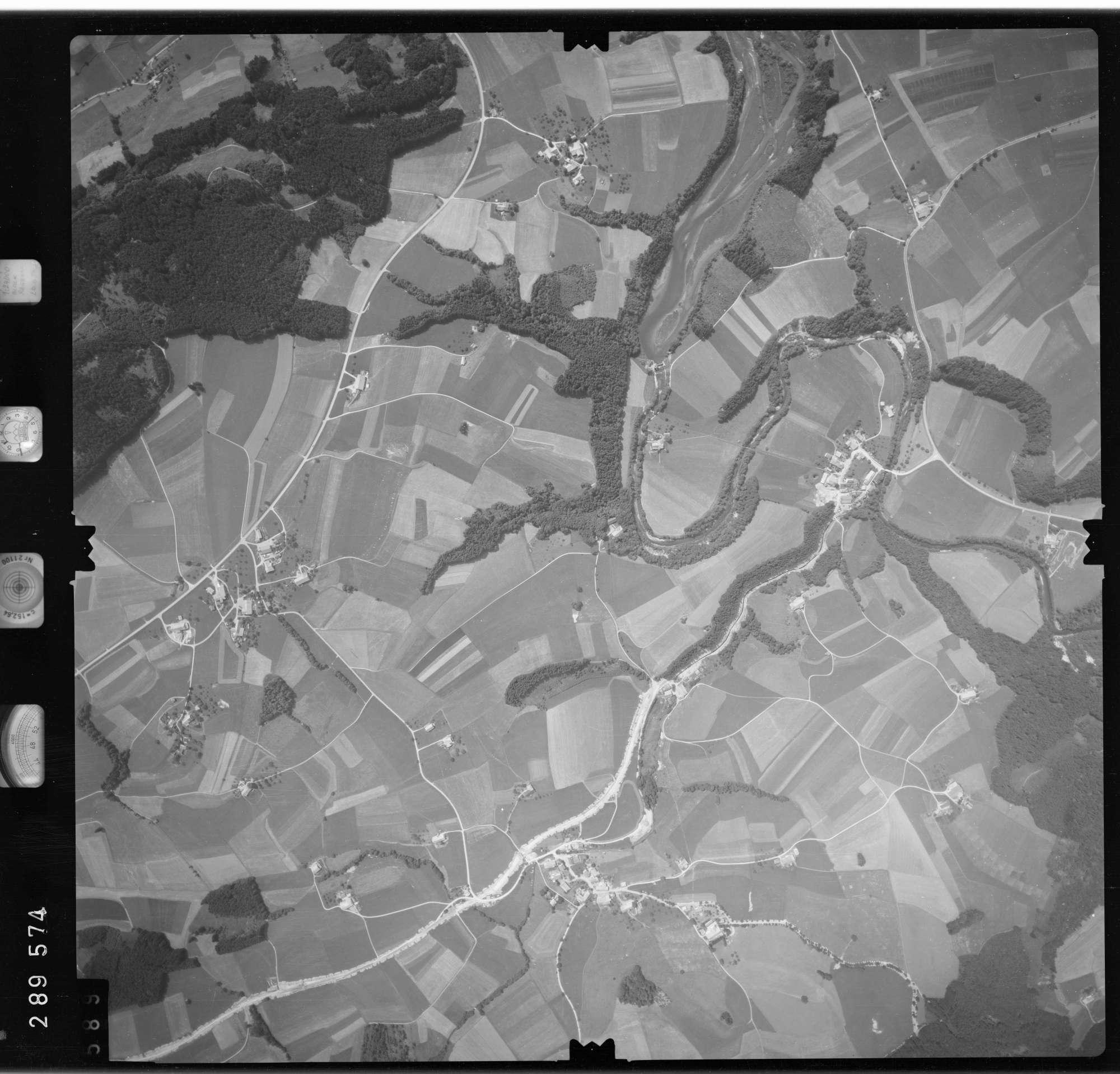 Luftbild: Film 76 Bildnr. 589, Bild 1