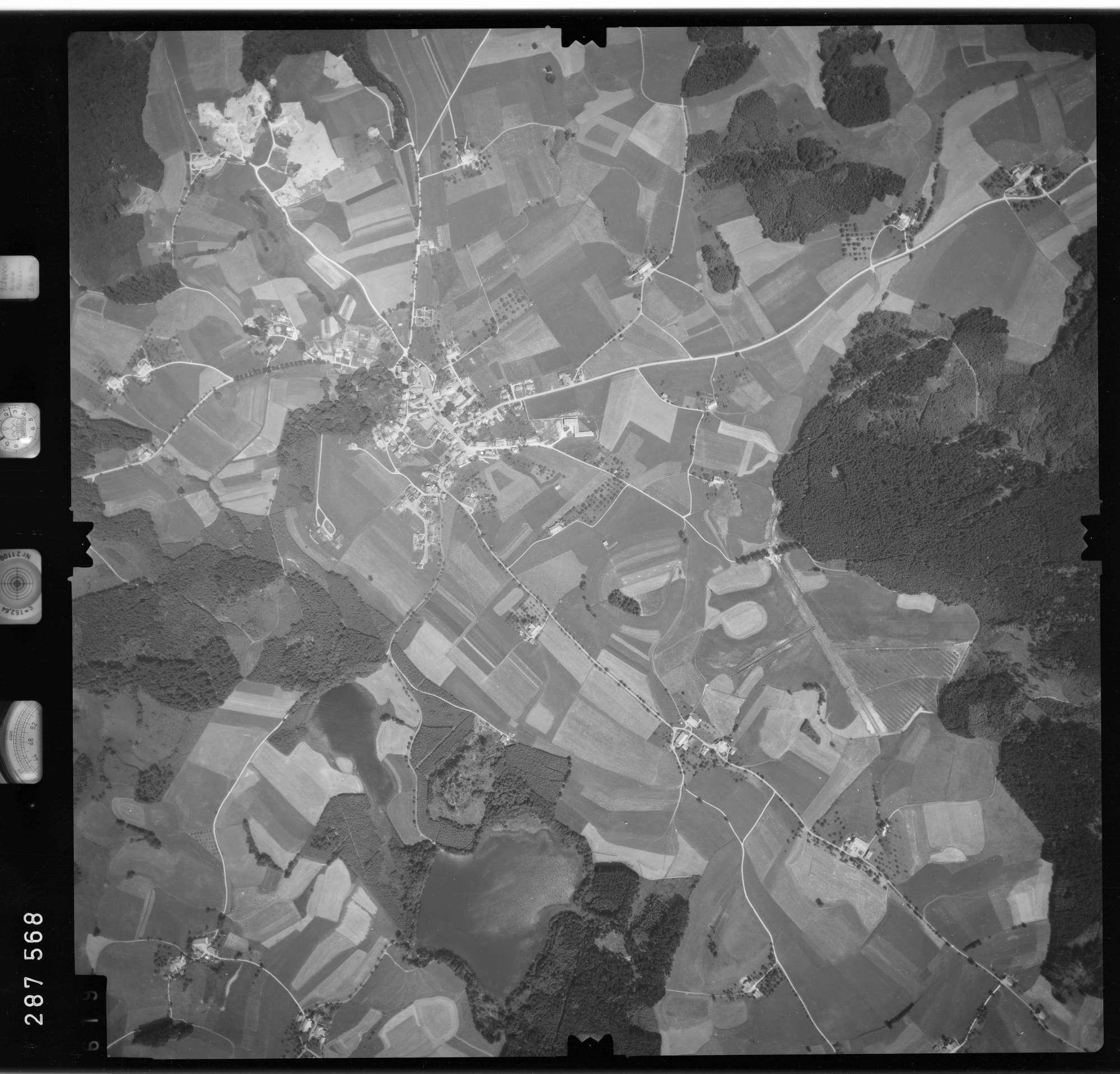 Luftbild: Film 76 Bildnr. 619, Bild 1