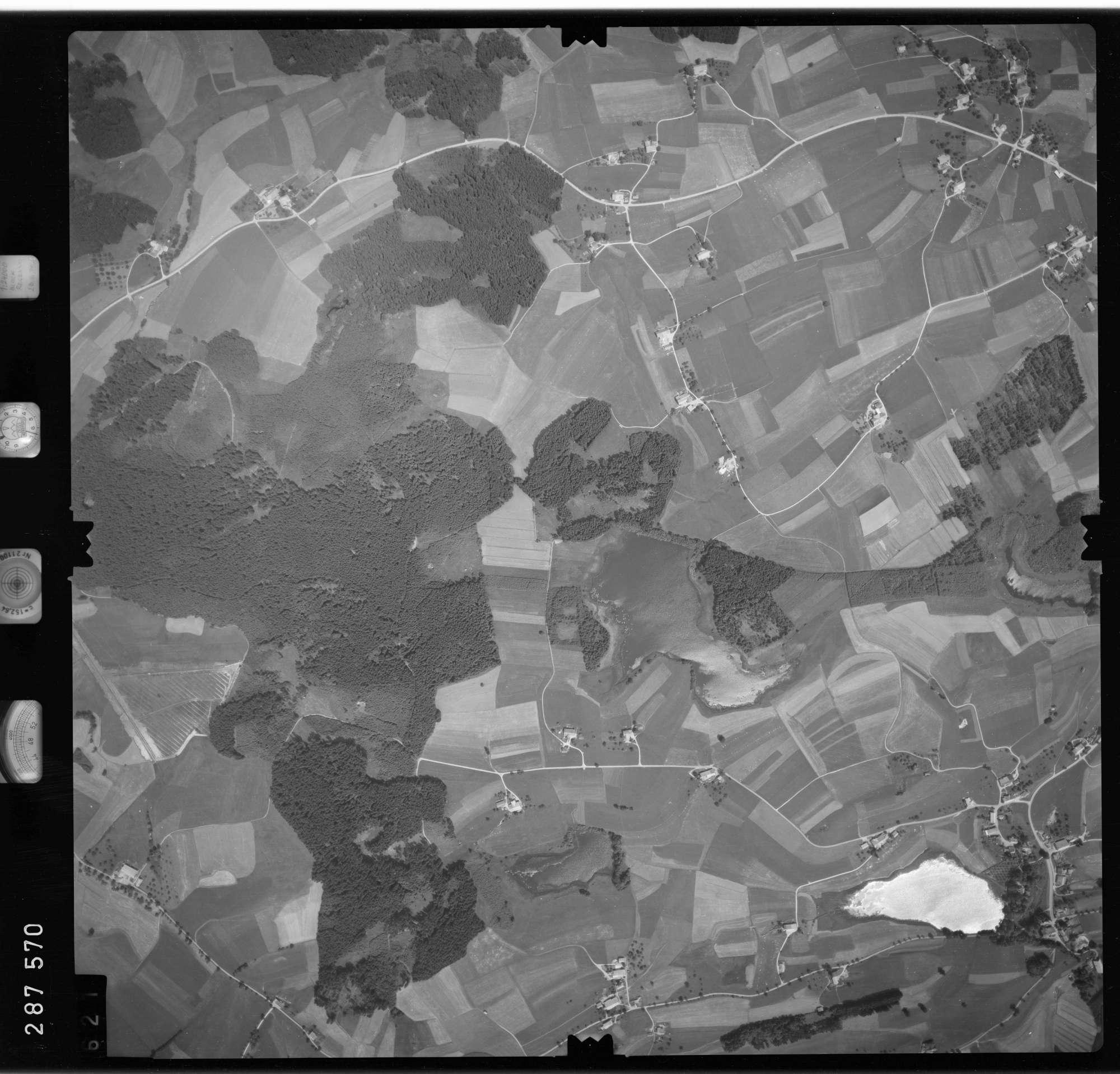 Luftbild: Film 76 Bildnr. 621, Bild 1