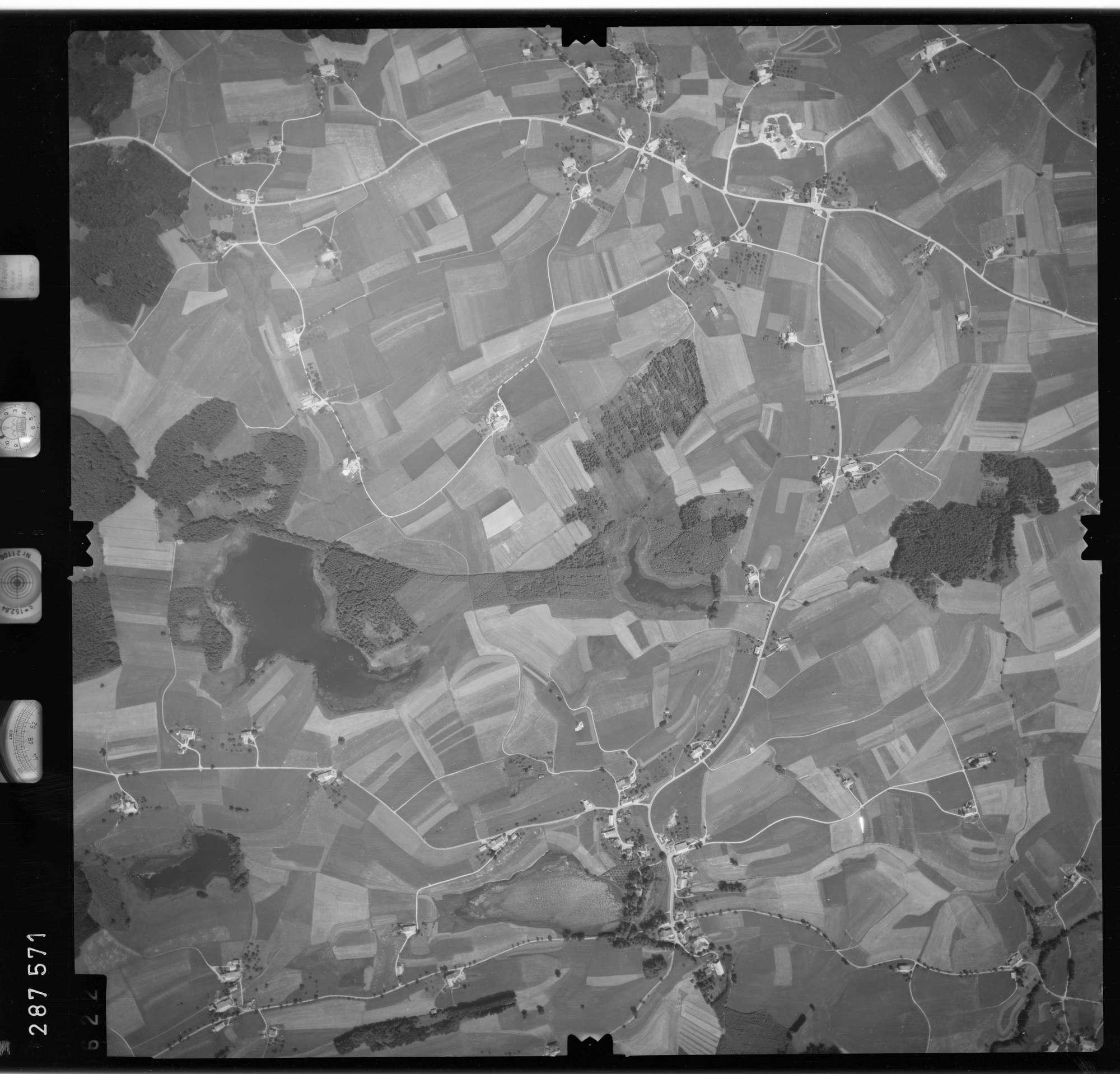 Luftbild: Film 76 Bildnr. 622, Bild 1
