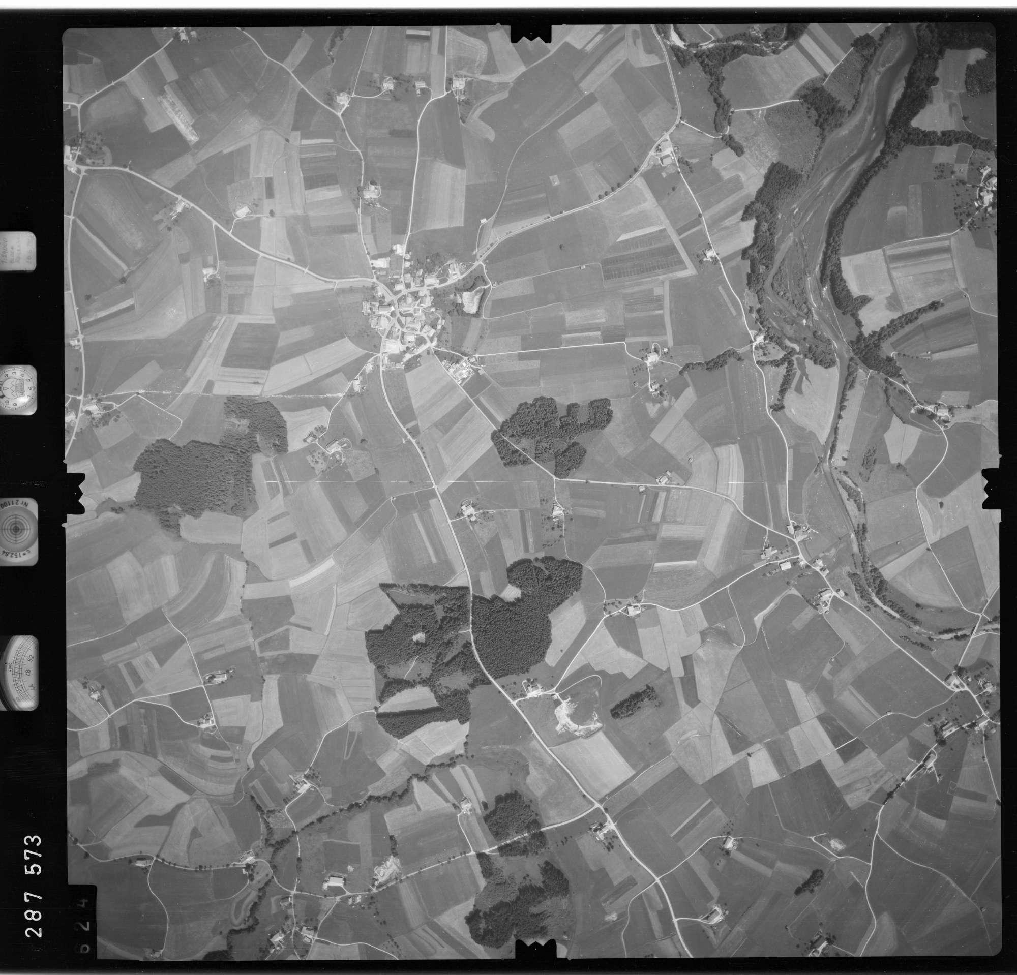 Luftbild: Film 76 Bildnr. 624, Bild 1