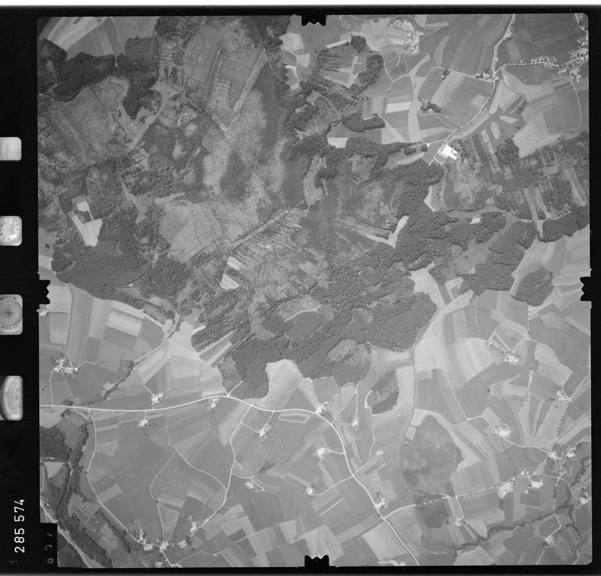 Luftbild: Film 76 Bildnr. 657, Bild 1