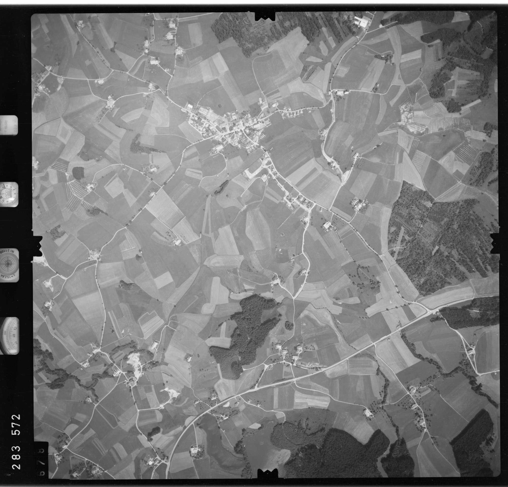 Luftbild: Film 76 Bildnr. 678, Bild 1