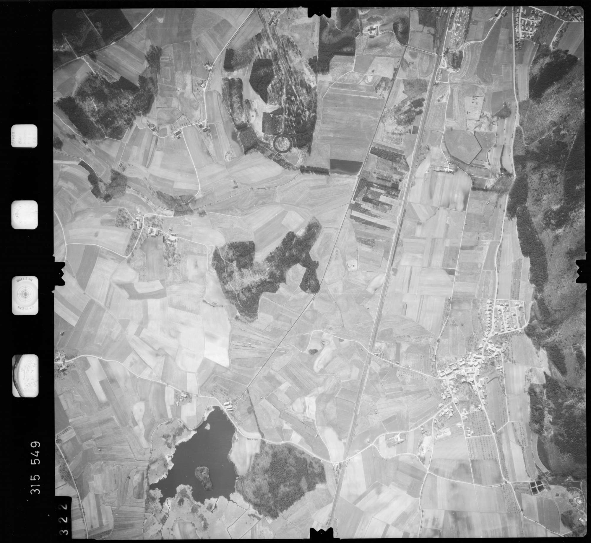 Luftbild: Film 58 Bildnr. 322, Bild 1