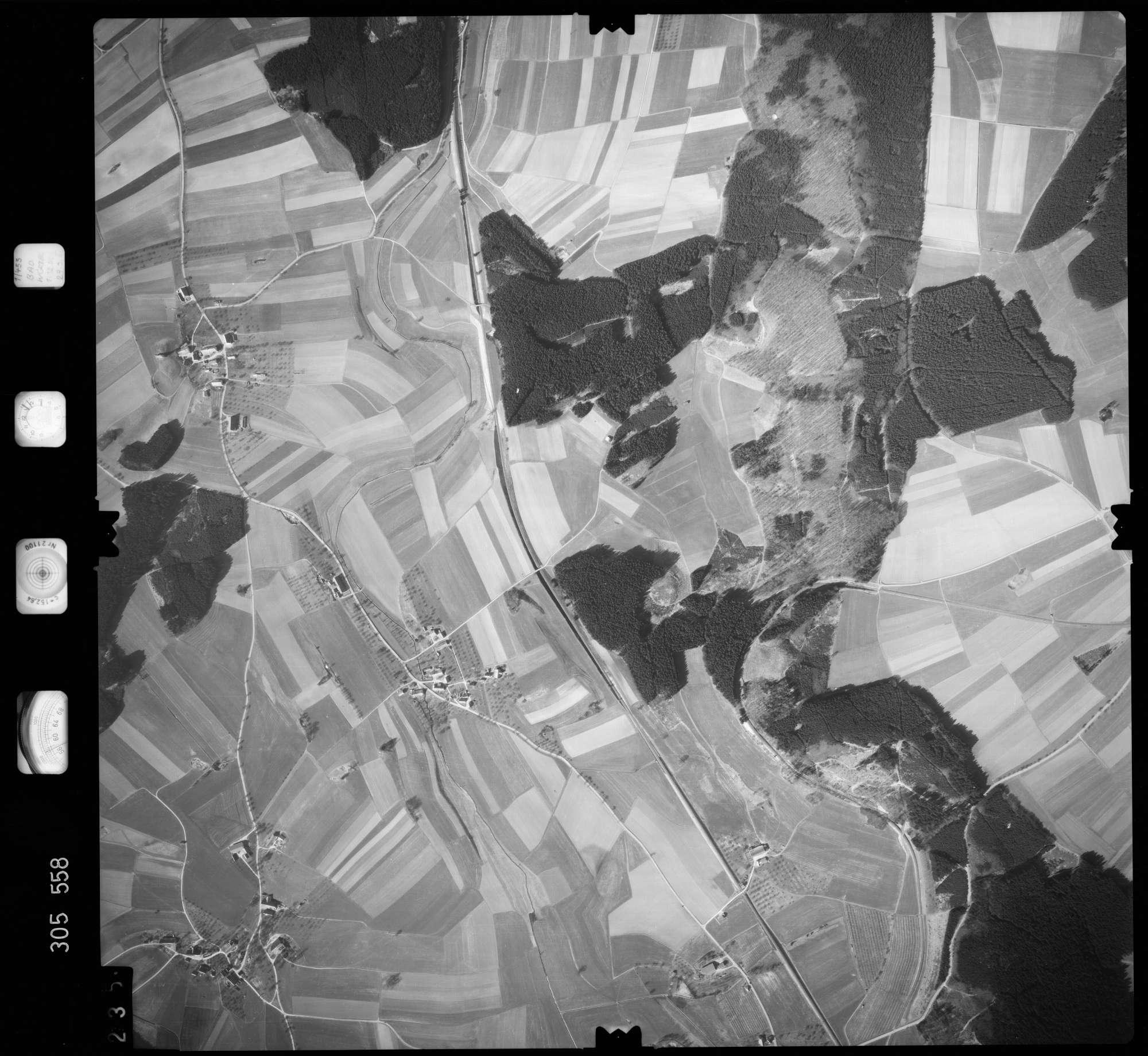 Luftbild: Film 61 Bildnr. 235, Bild 1