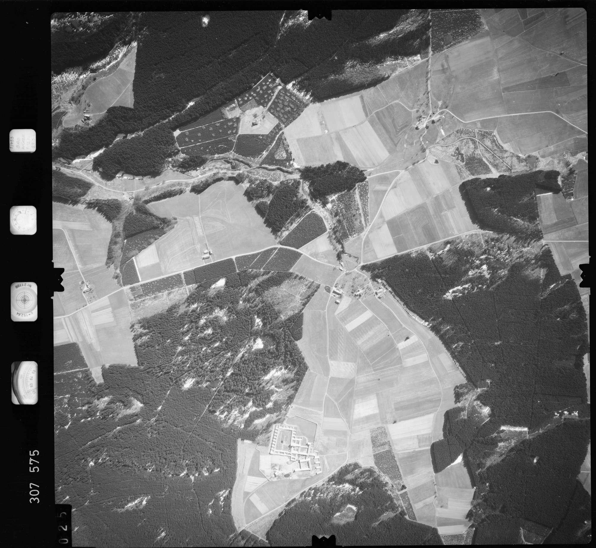 Luftbild: Film 61 Bildnr. 25, Bild 1
